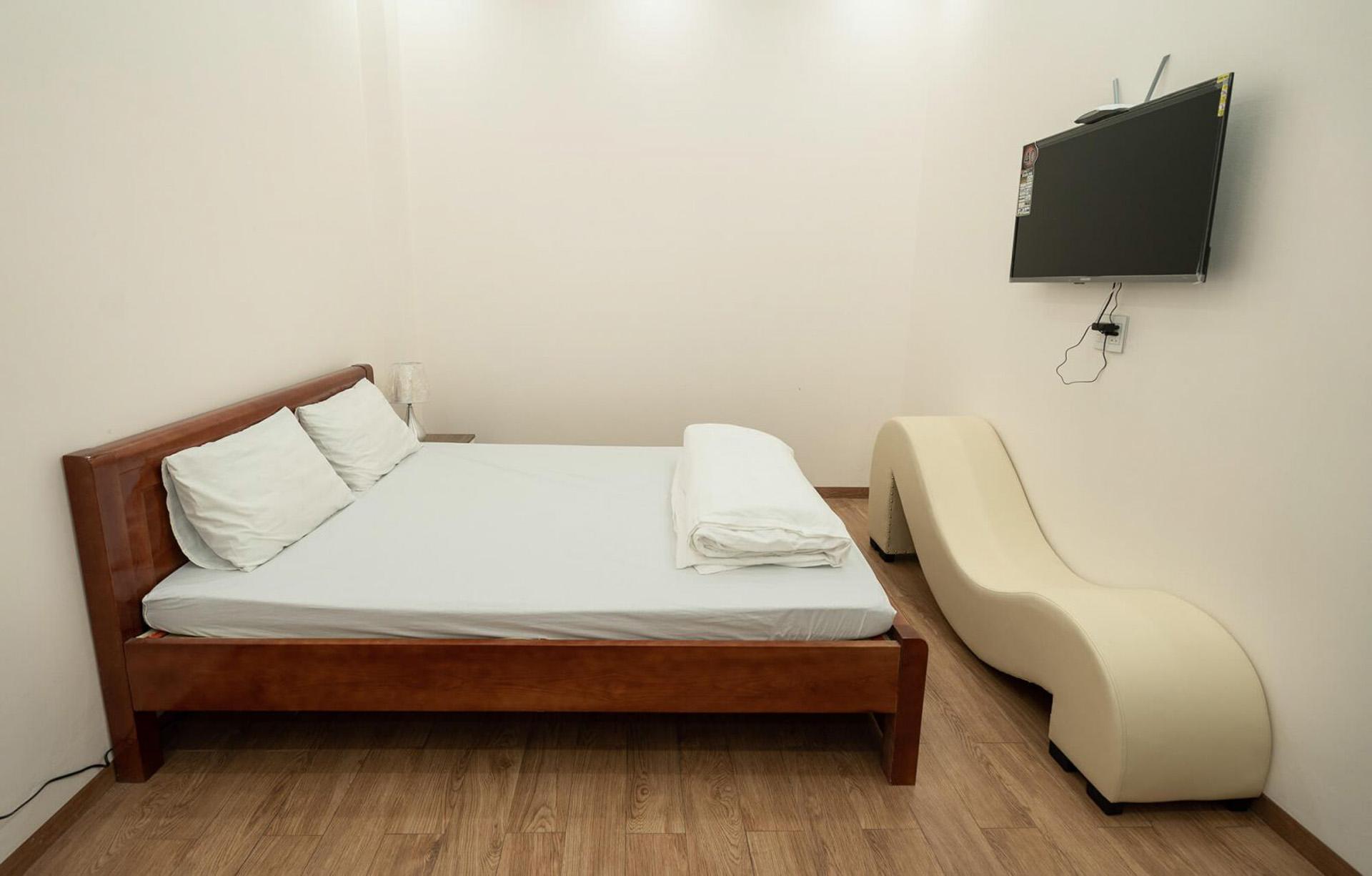 free images : hostel, furniture, room, property, bedroom