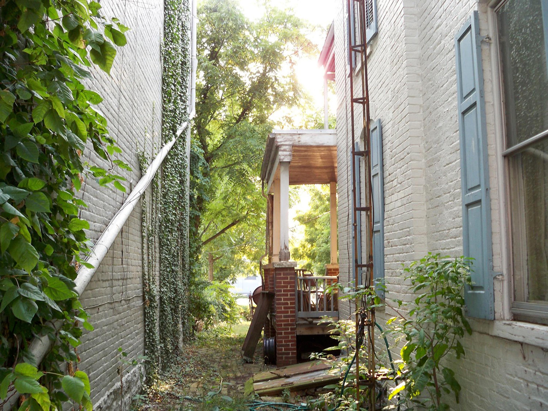 Fotos gratis casa callej n porche pasarela balc n caba a patio interior fachada - Ley propiedad horizontal patio interior ...