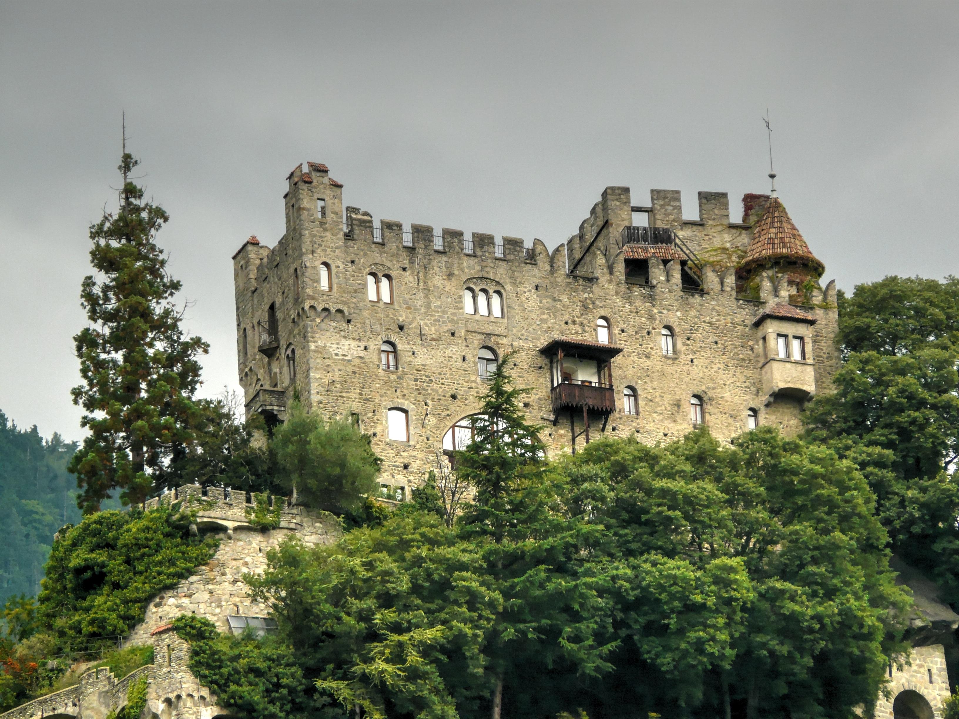 Immagini belle casa costruzione chateau villaggio for Disegni di casa chateau francese