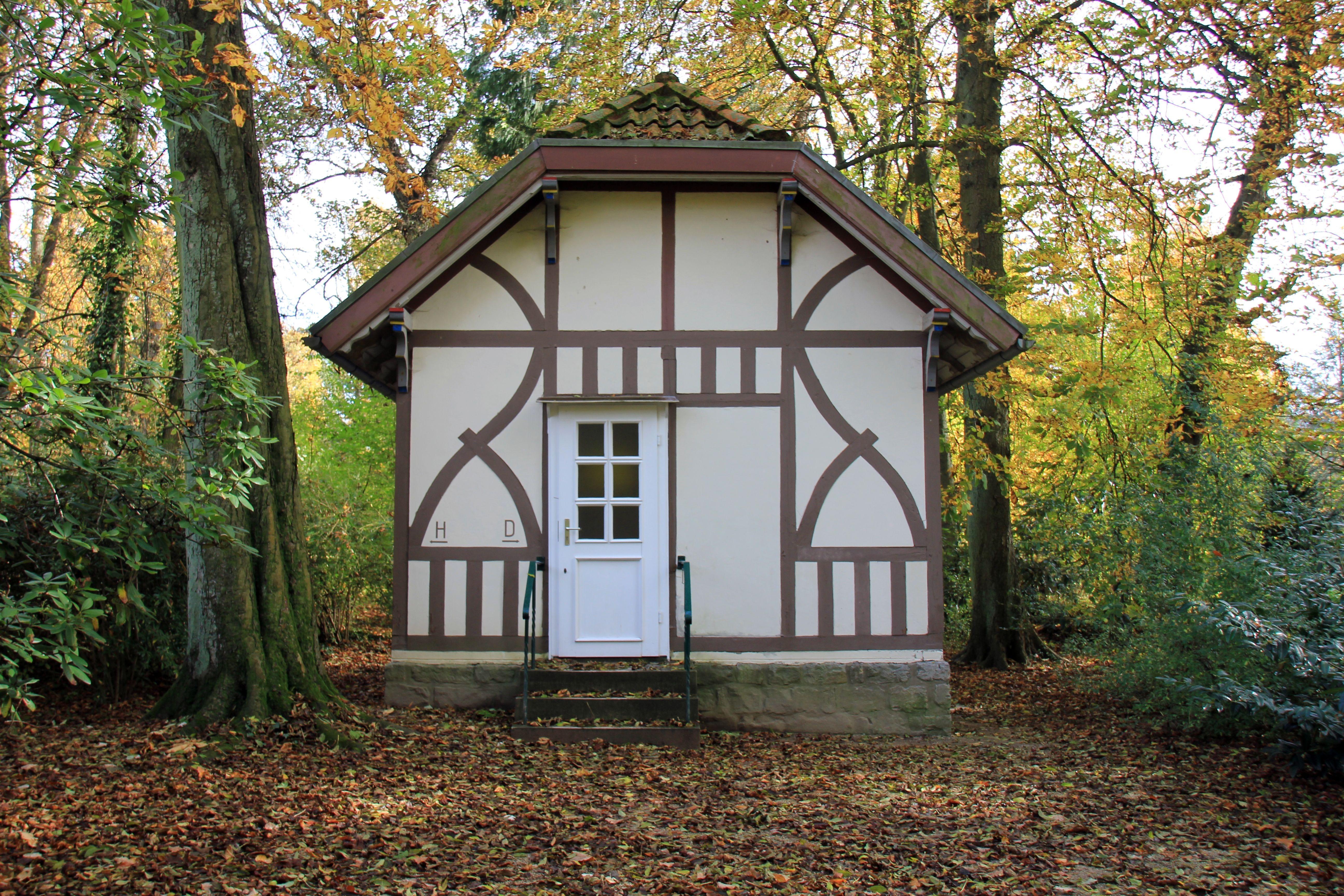 Fotos gratis edificio cobertizo choza oto o parque patio interior propiedad ba o - Ley propiedad horizontal patio interior ...