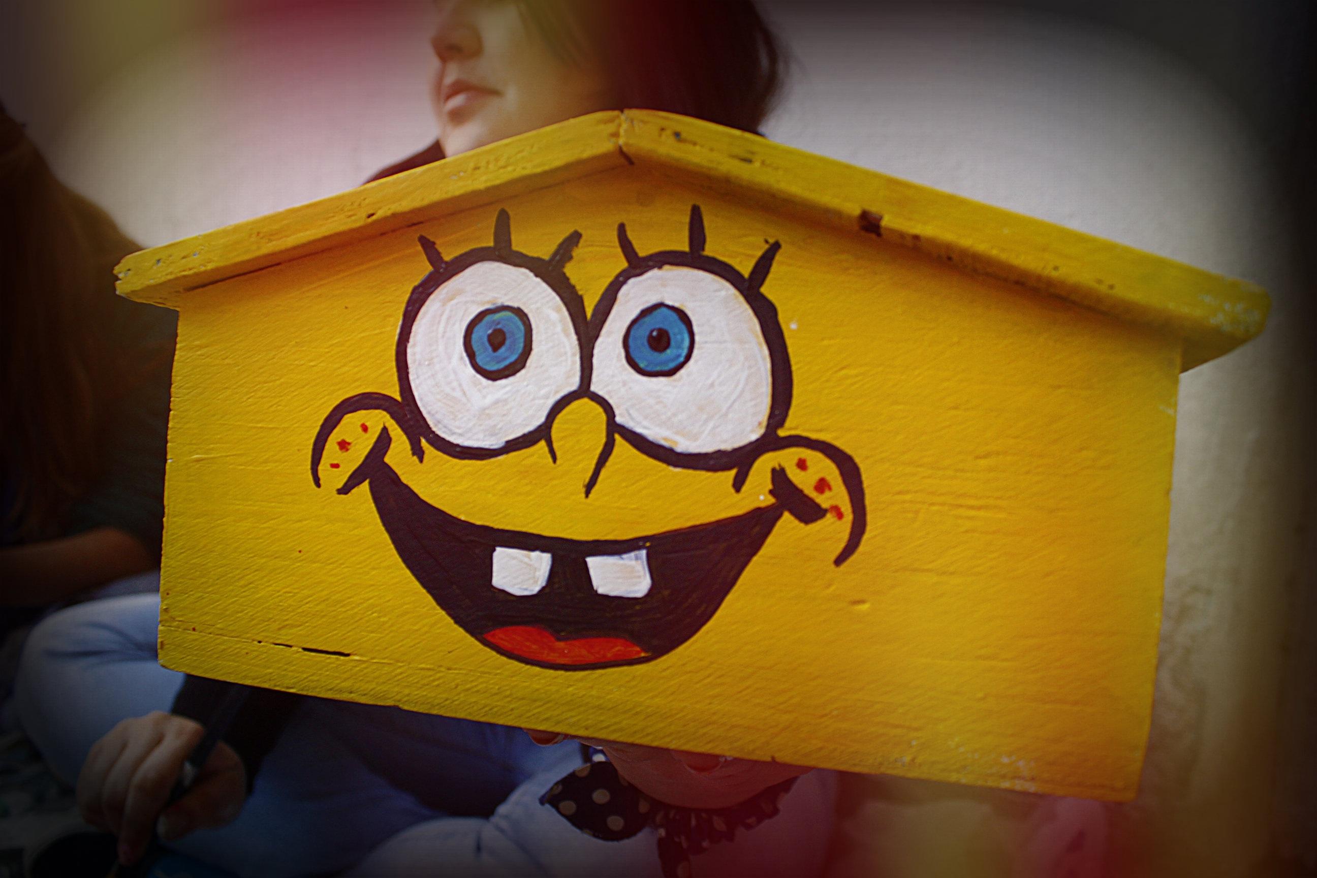 Gambar Rumah Plafon Warna Kuning Mainan Masa Kecil Seni