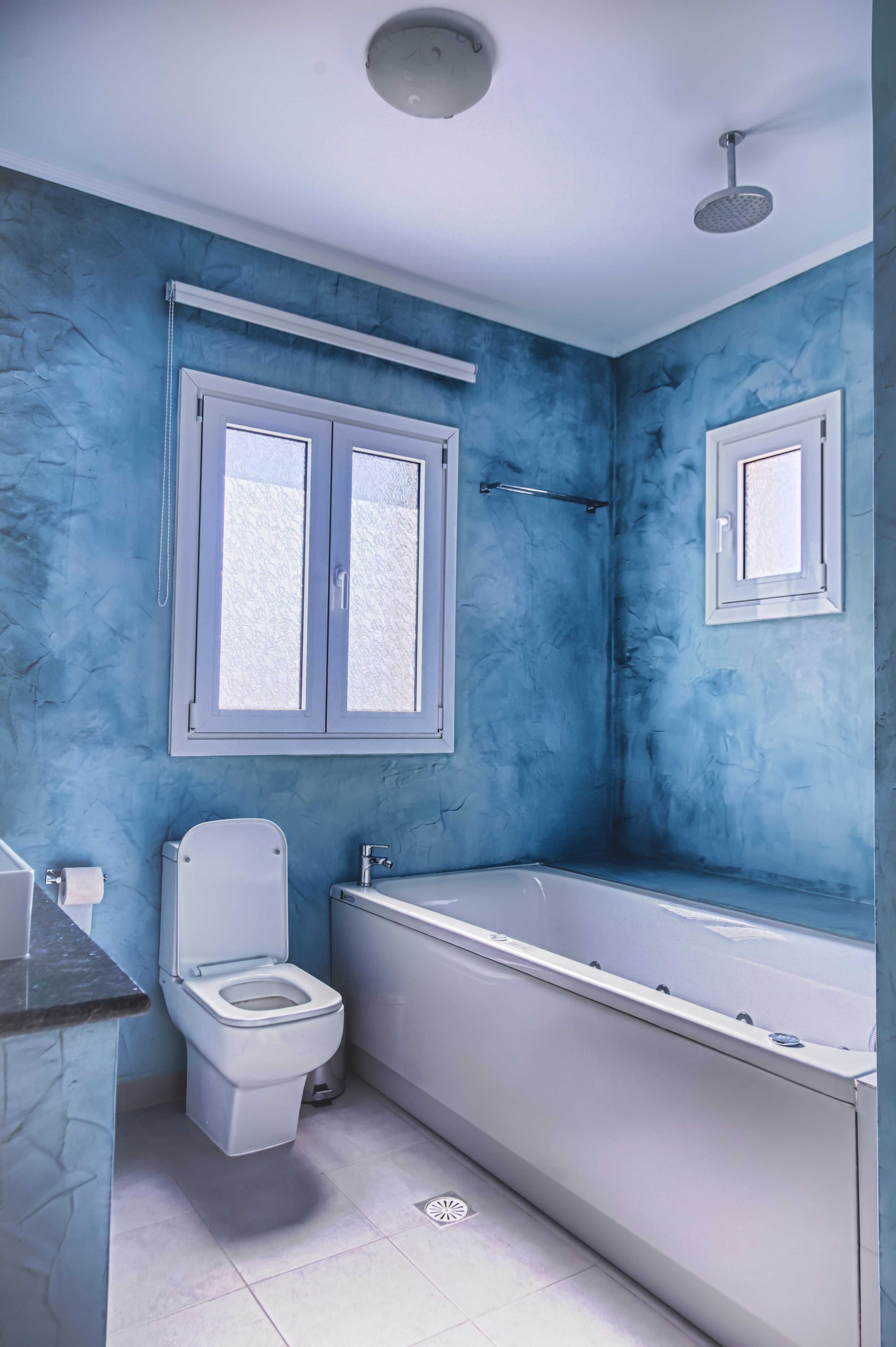 Gambar Rumah Lantai Milik Biru Desain Interior Bak Mandi