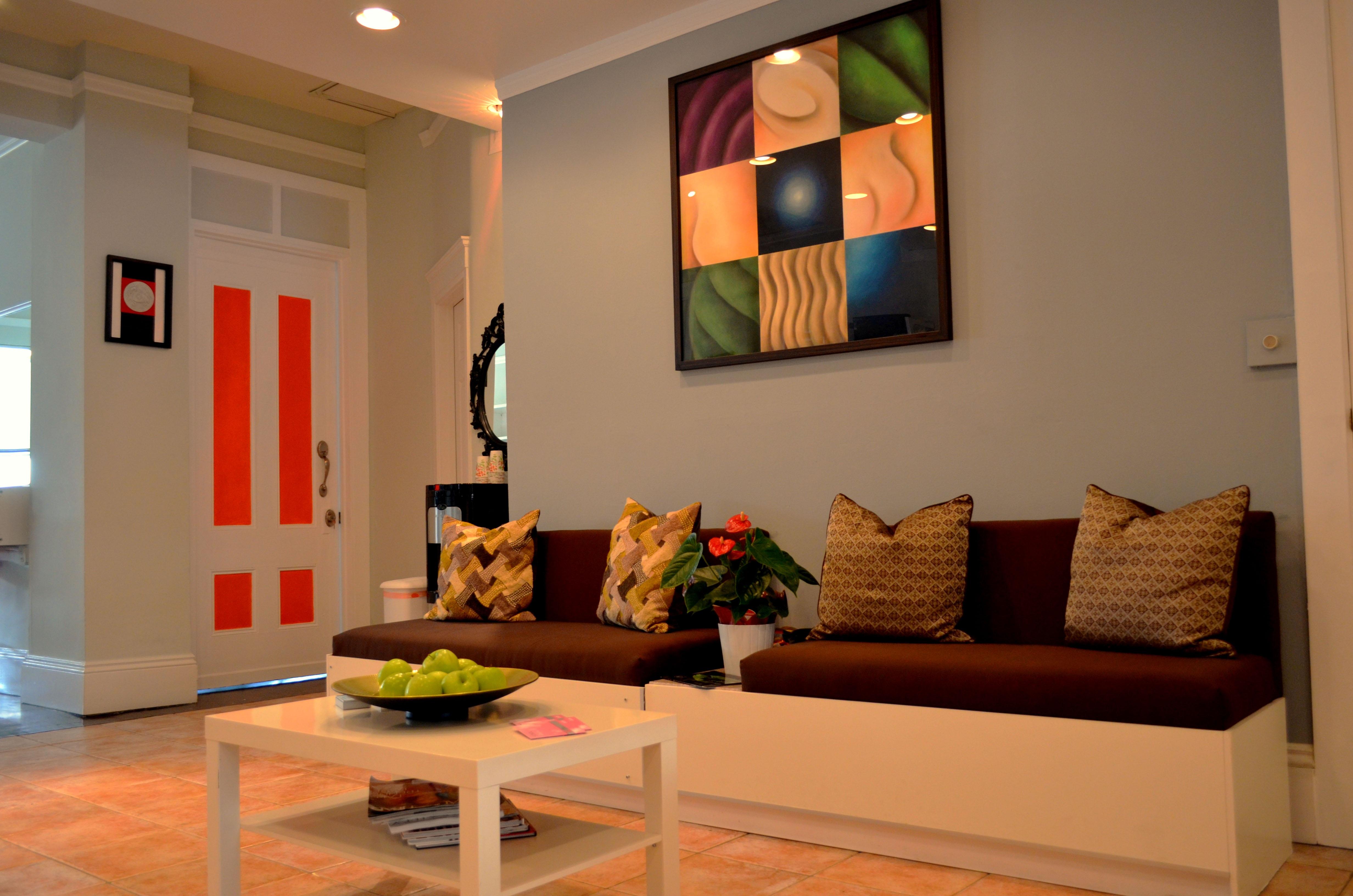 huis verdieping huis muur kleur eigendom woonkamer kamer bank appartement divan interieur ontwerp ontwerp landgoed