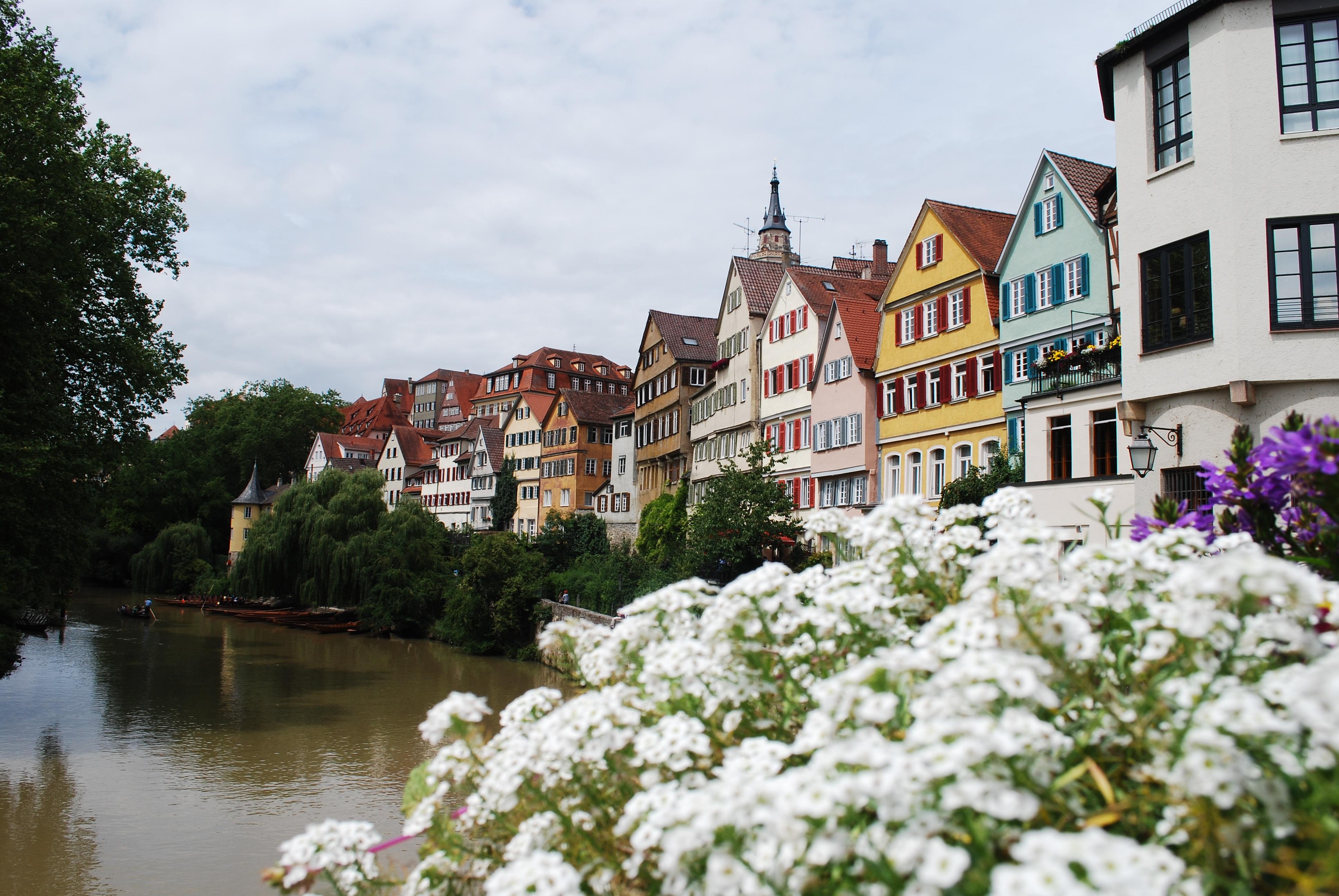 Images gratuites maison fleur ville rivi re canal for Baden baden allemagne maison close