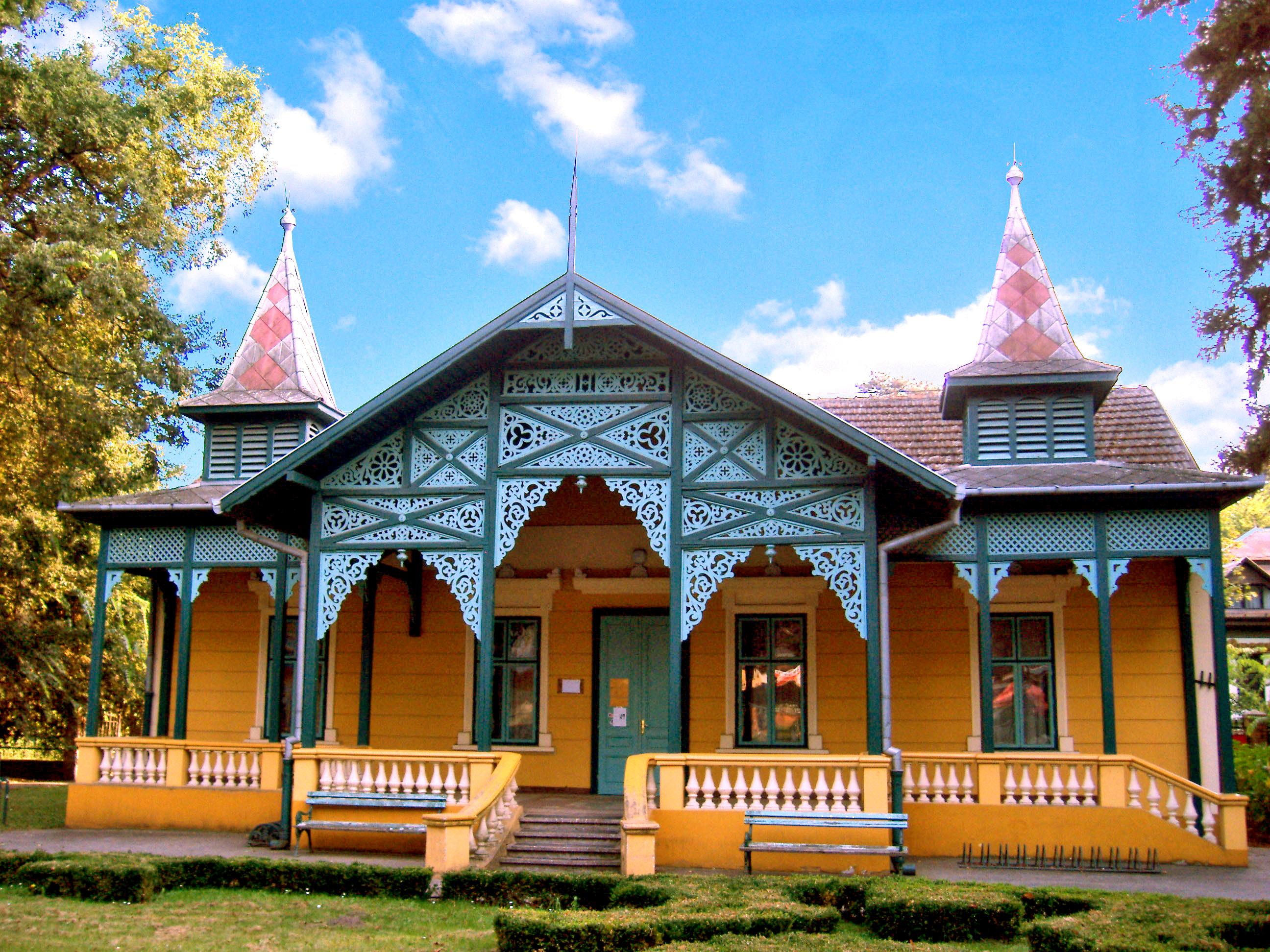 Photo Facade Villa : 무료 이미지 별장 탈퇴 아르 데코 스타일 건축물 여름 푸른 하늘 경계표 맨션 재산