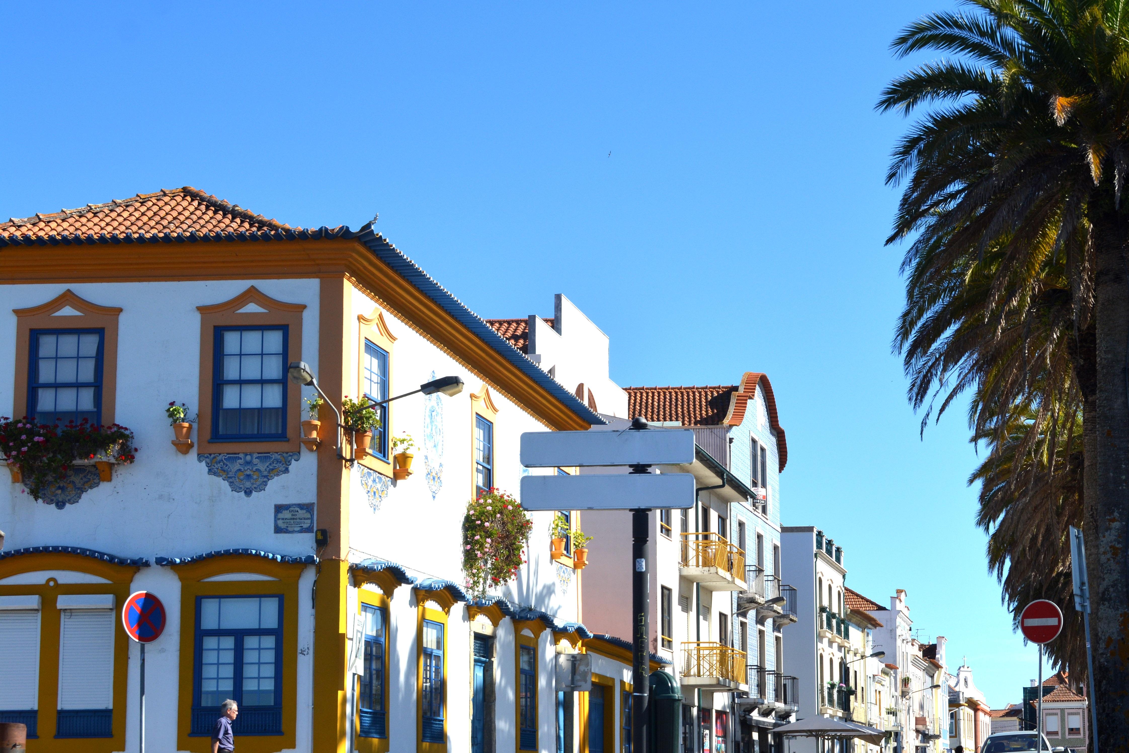 Fotos gratis casa pueblo vacaciones fachada - Apartamentos en lisboa vacaciones ...