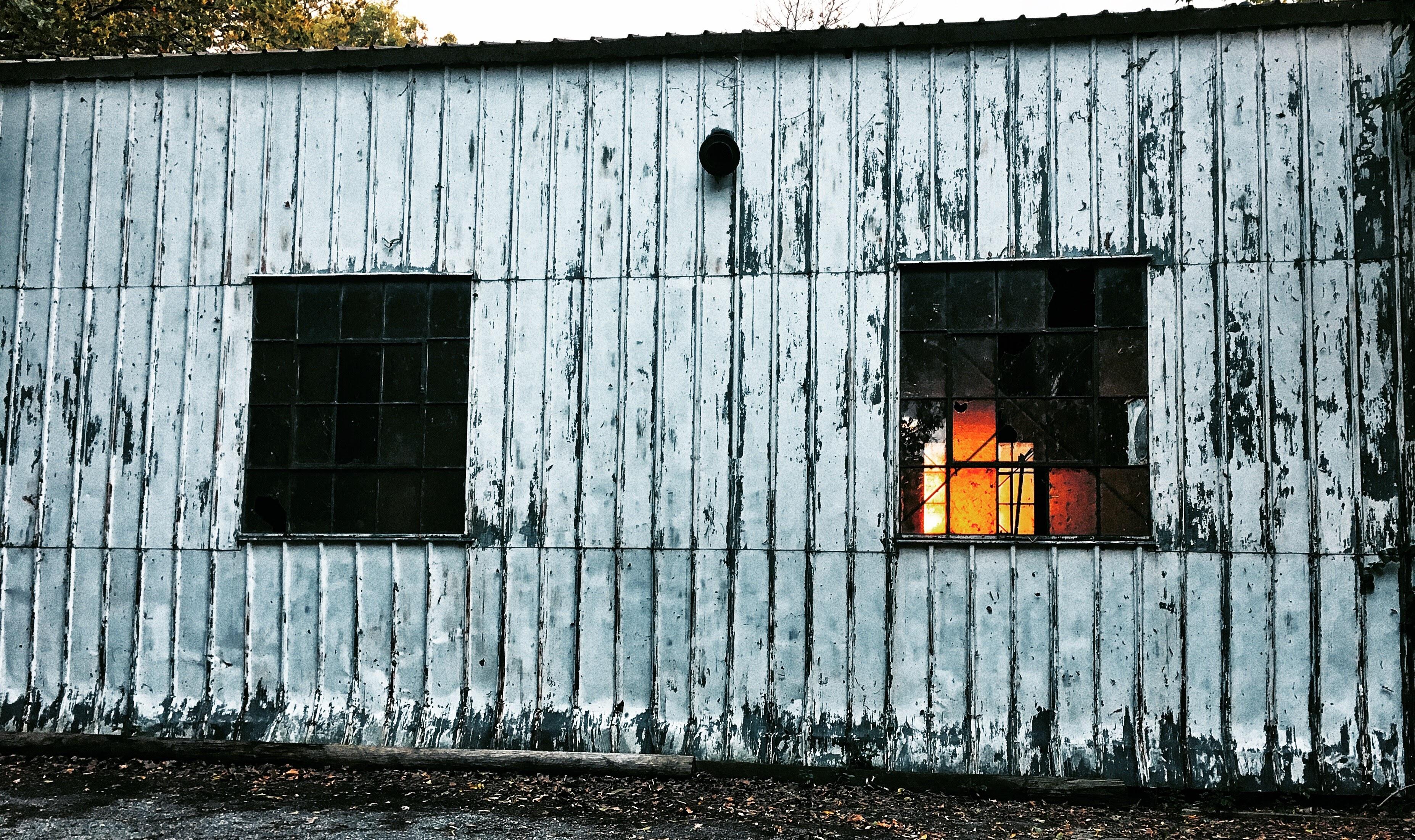 Fotos gratis : casa, ventana, granero, pared, choza, fachada ...