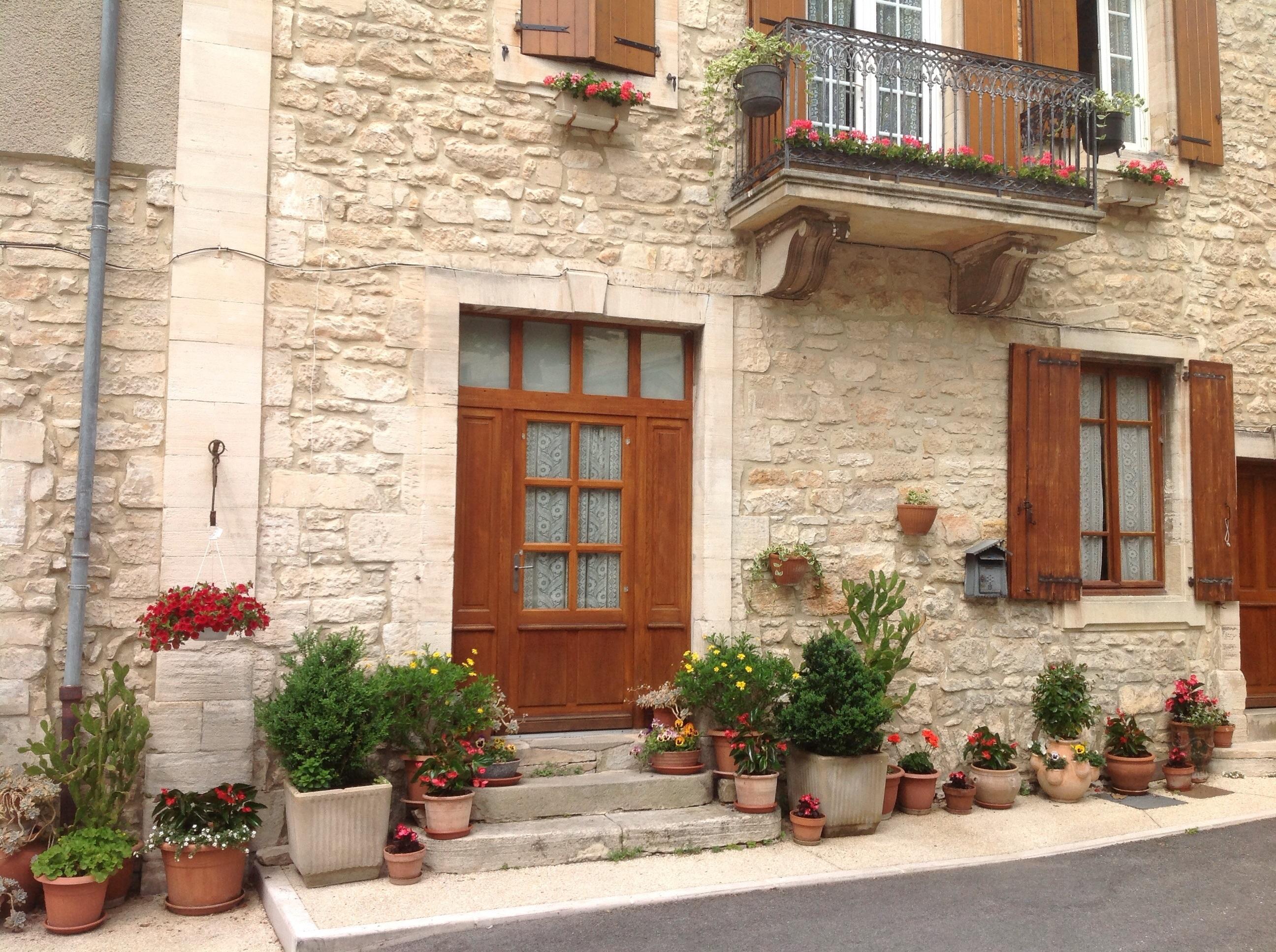 Banco de imagens janela constru o pedra varanda - Porche entrada vivienda ...