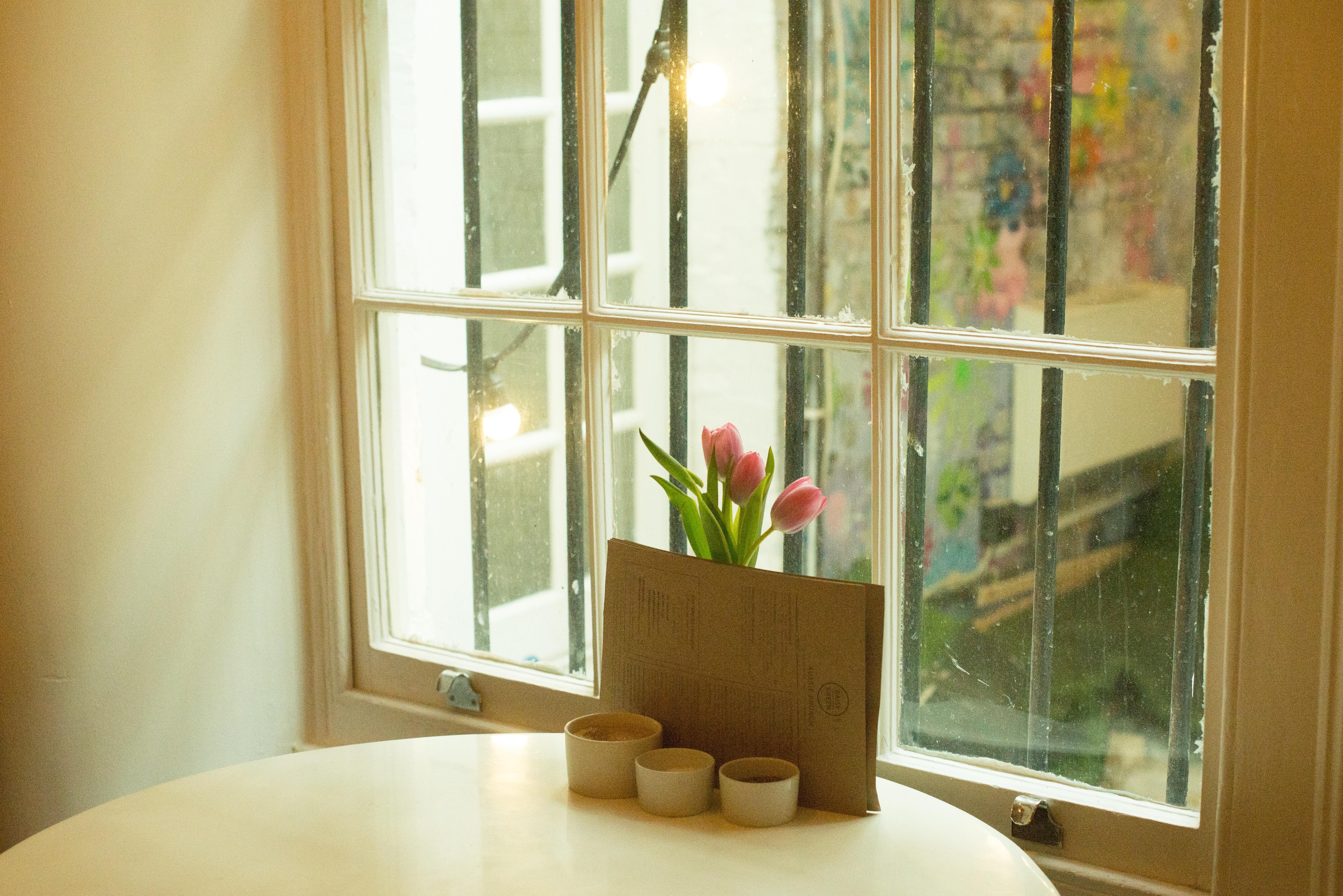 무료 이미지 : 집, 유리, 벽, 커튼, 거실, 가구, 방, 아파트 ...