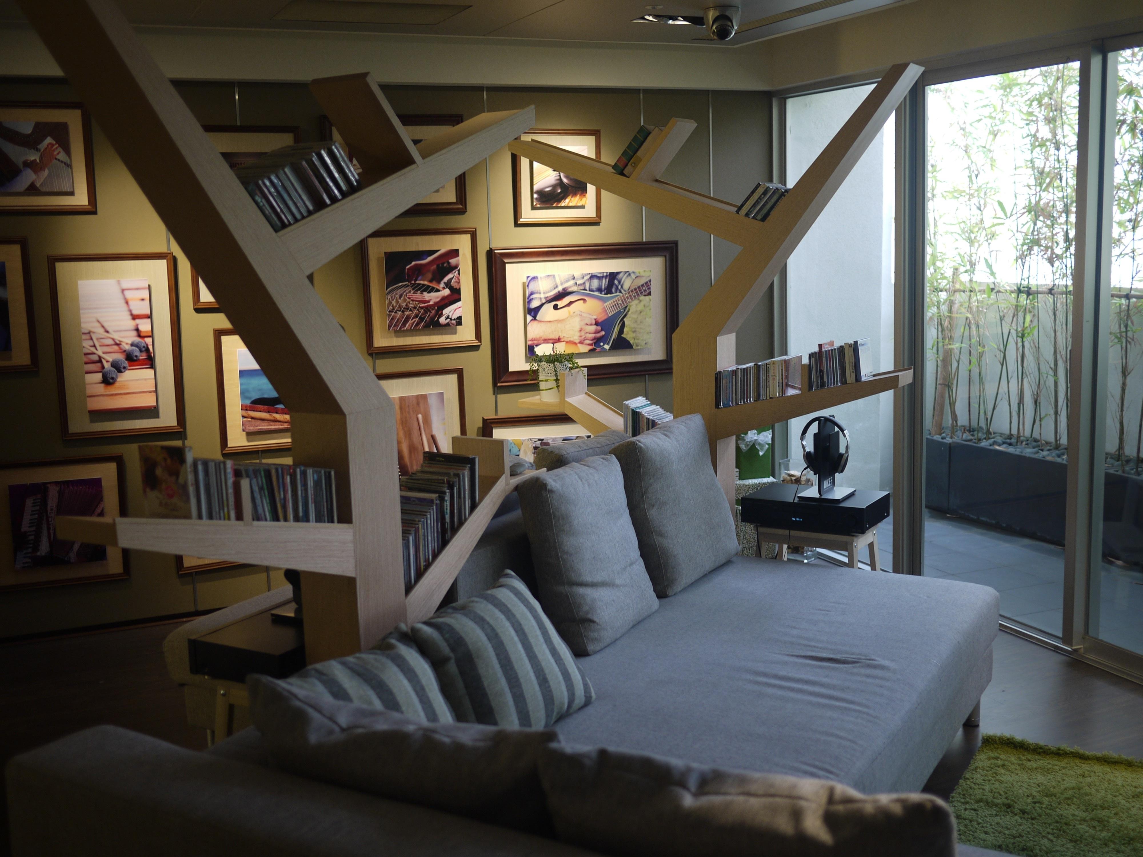 Haus Fenster Zuhause Hütte Drinnen Eigentum Wohnzimmer Möbel Zimmer Sofa  Innenarchitektur Entwurf Komfort Immobilien