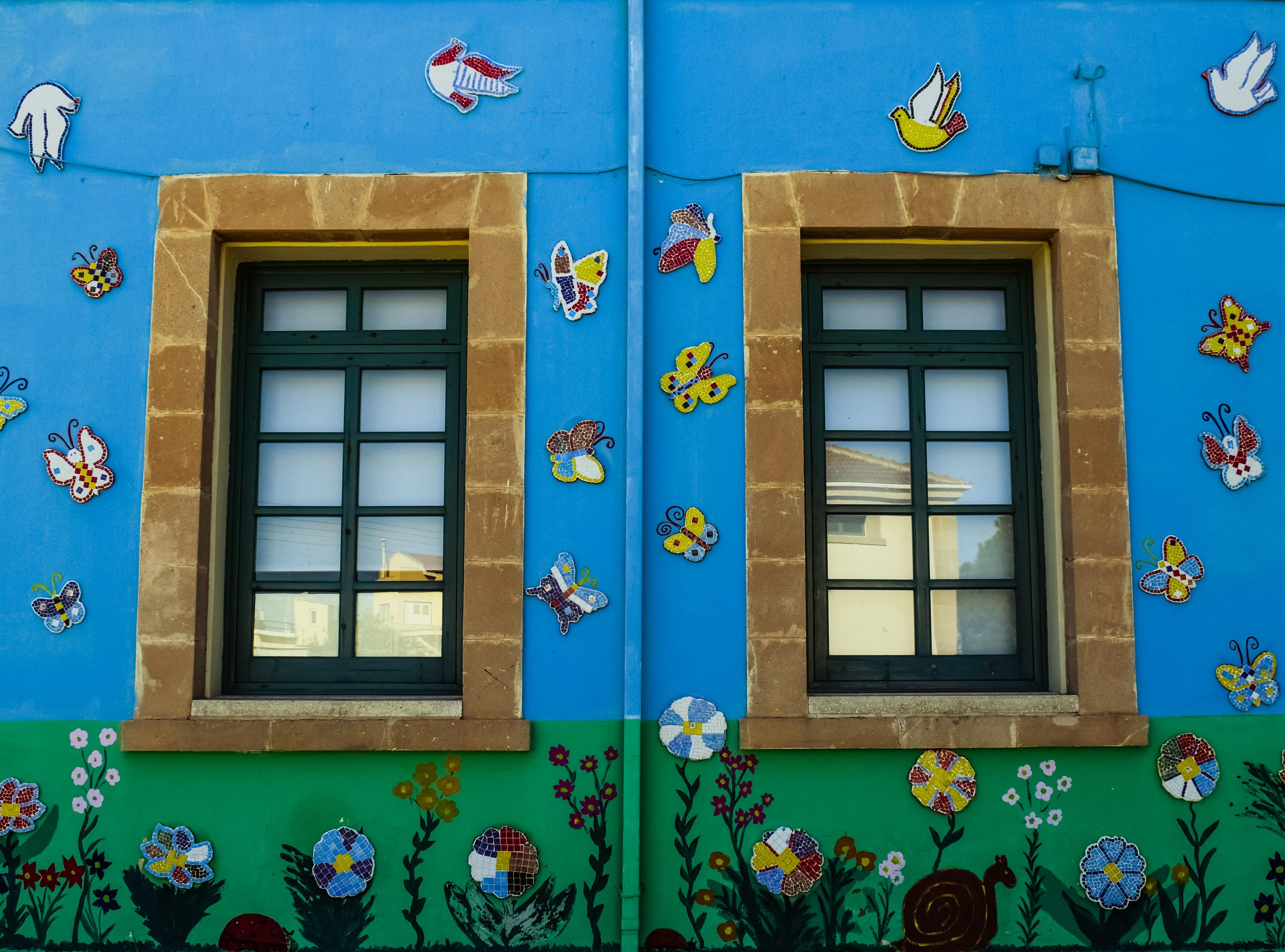 Gambar Rumah Jendela Warna Penglihatan Biru Warna Warni