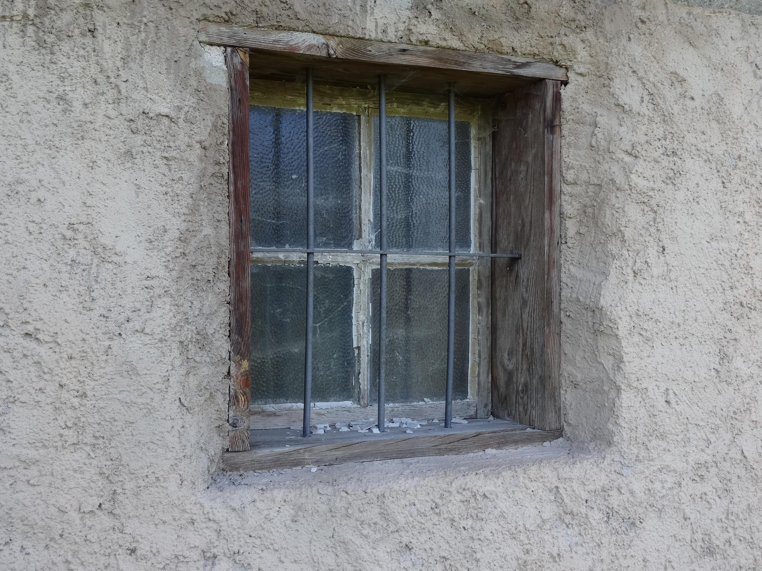 Fotos gratis : antiguo, pared, pueblo, cabaña, fachada, propiedad ...