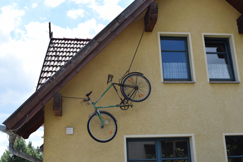 kostenlose foto haus fenster dach fahrrad zuhause. Black Bedroom Furniture Sets. Home Design Ideas