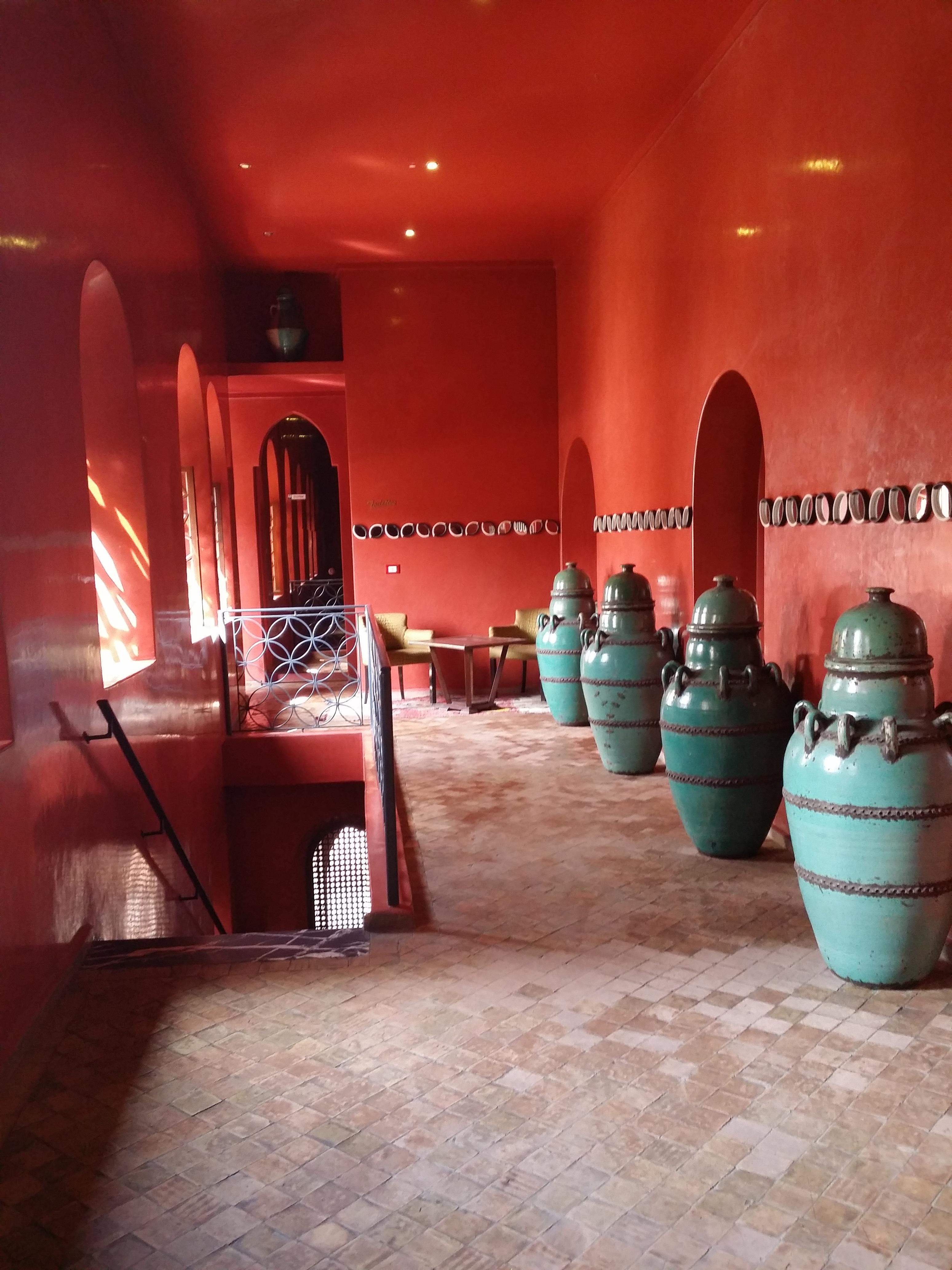 Fotos gratis interior decoraci n rojo color azul for Decoracion de interiores gratis