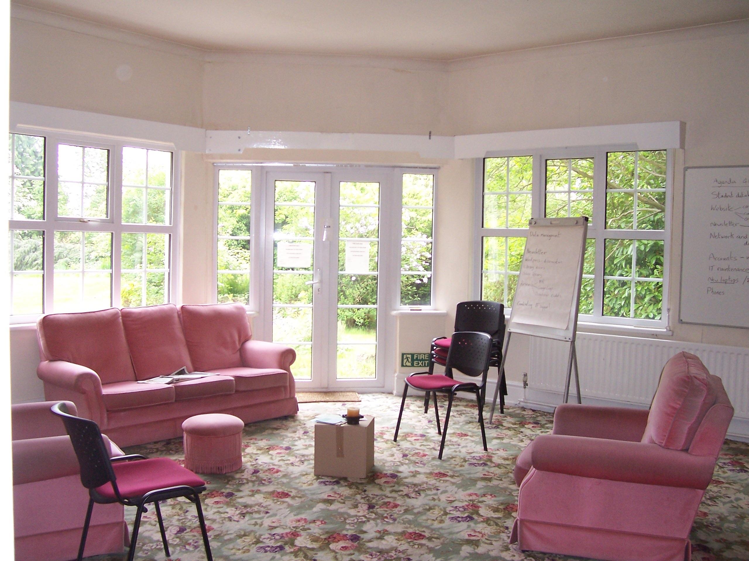 Oppsiktsvekkende Bildet : interiør, hjem, veranda, hytte, eiendom, stue, møbler TL-84