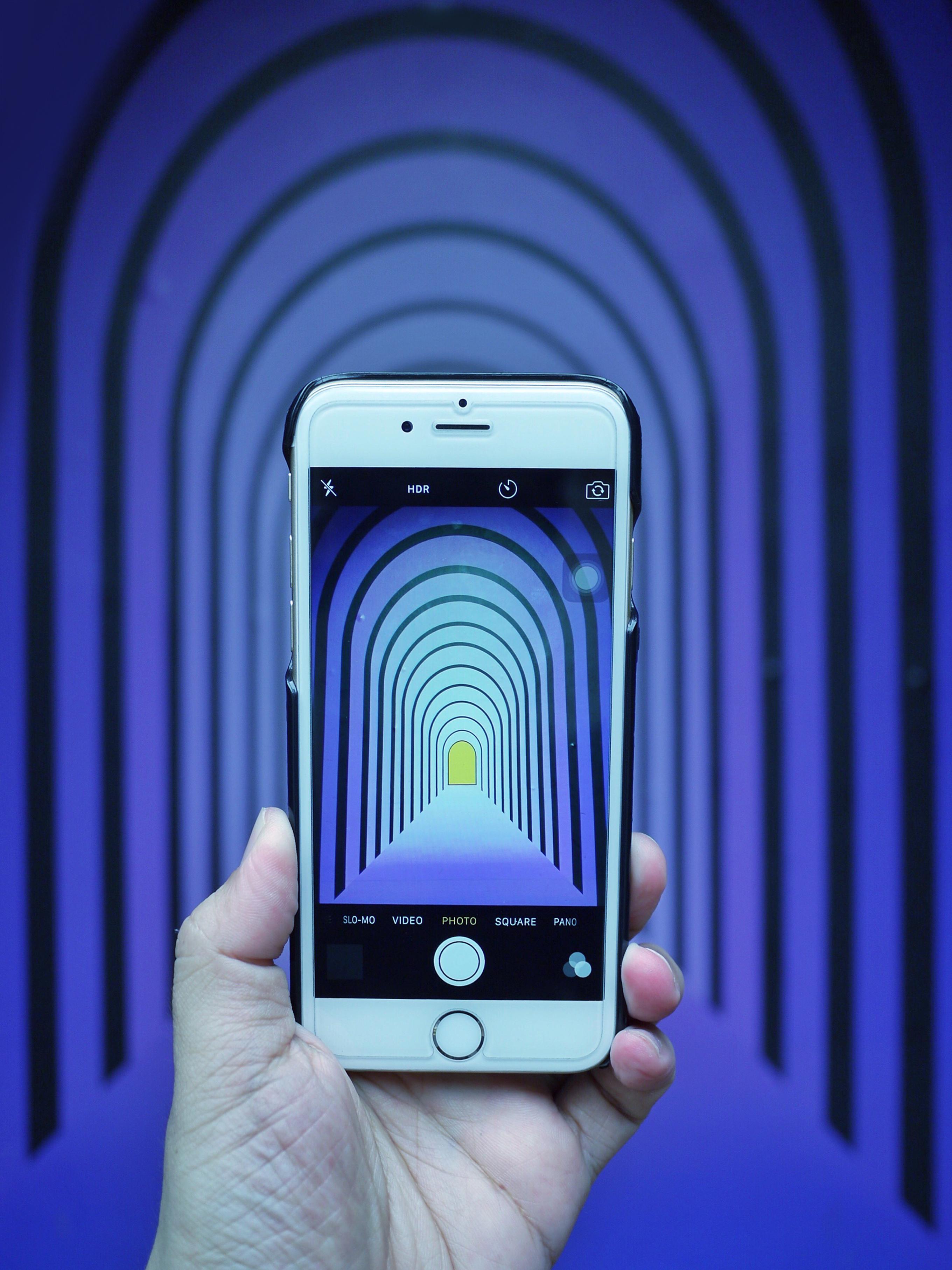 Gratis Afbeeldingen : iphone, smartphone, hand-, licht, technologie ...