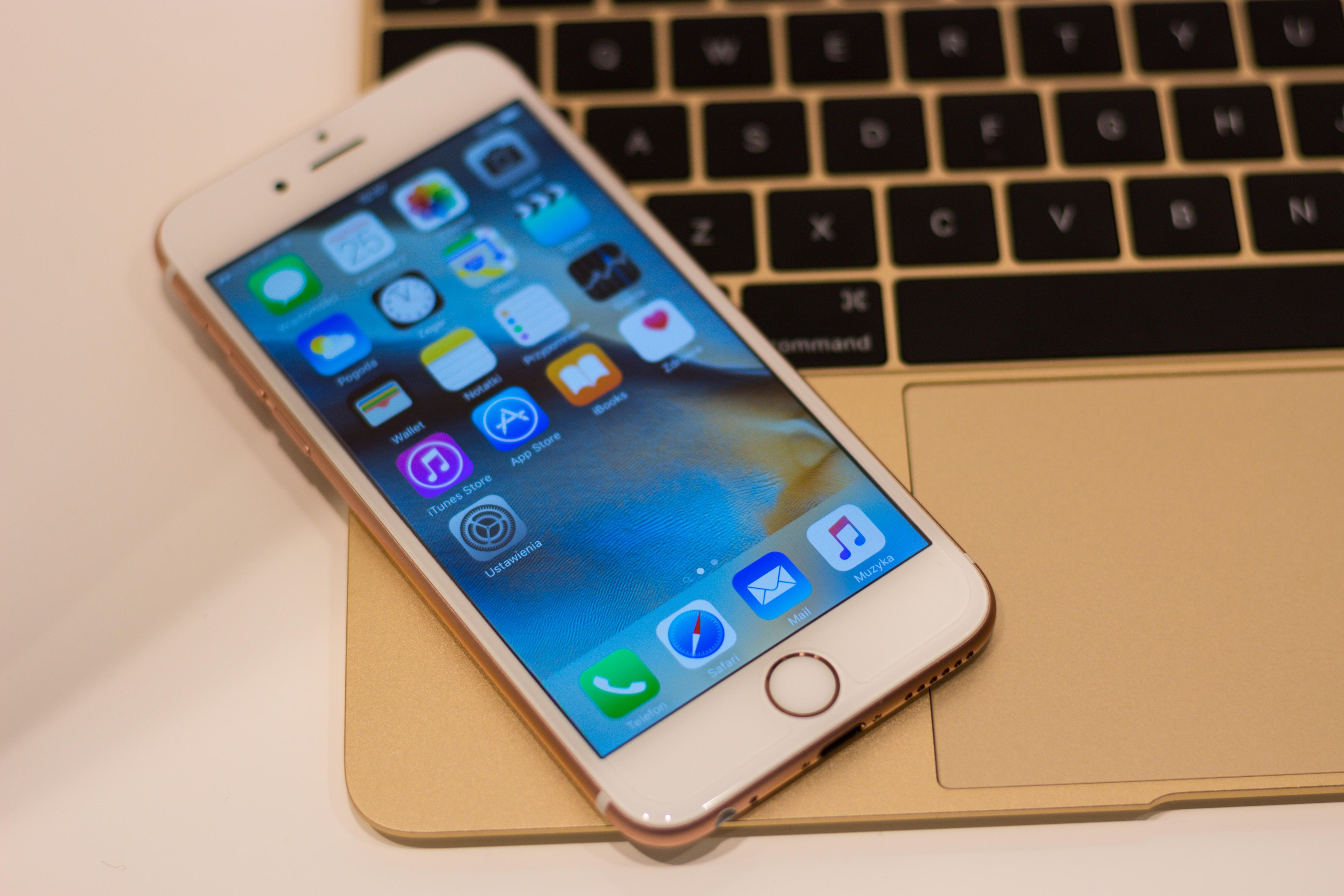 Iphone  S Prix