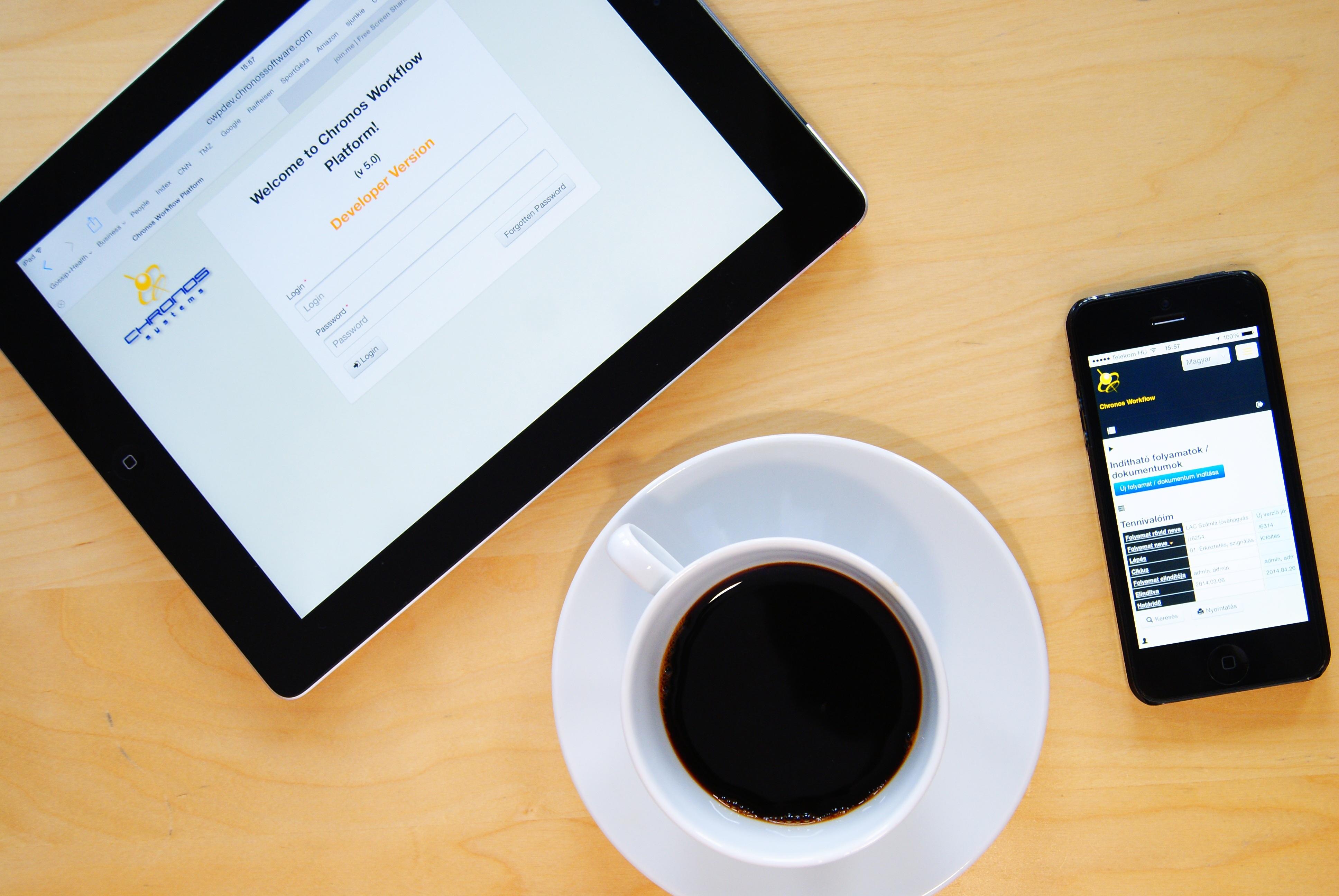 Kostenlose foto iphone smartphone mobile arbeit for Surface de bureau