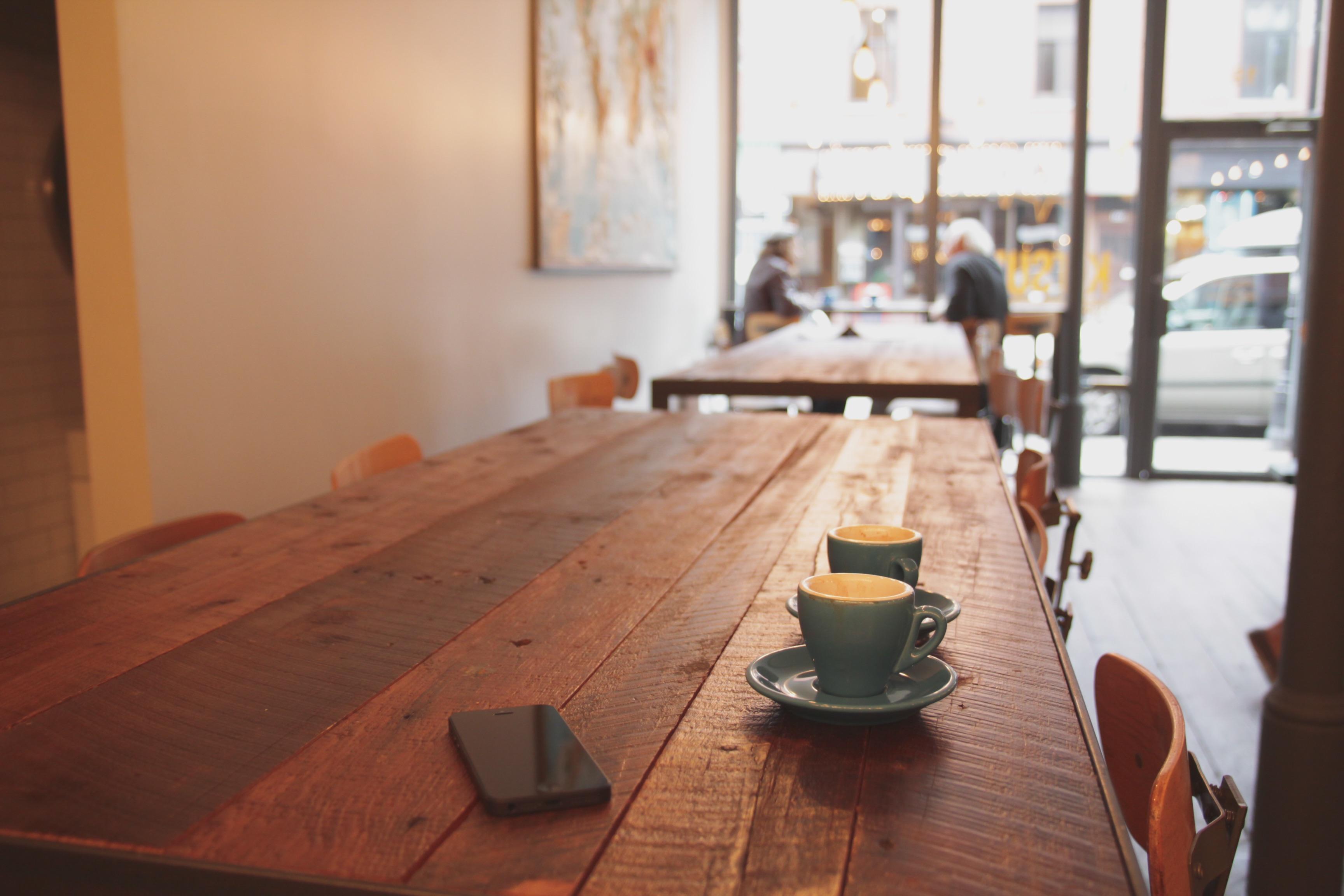 Innenarchitektur Cafe kostenlose foto iphone tabelle cafe café kaffee holz haus
