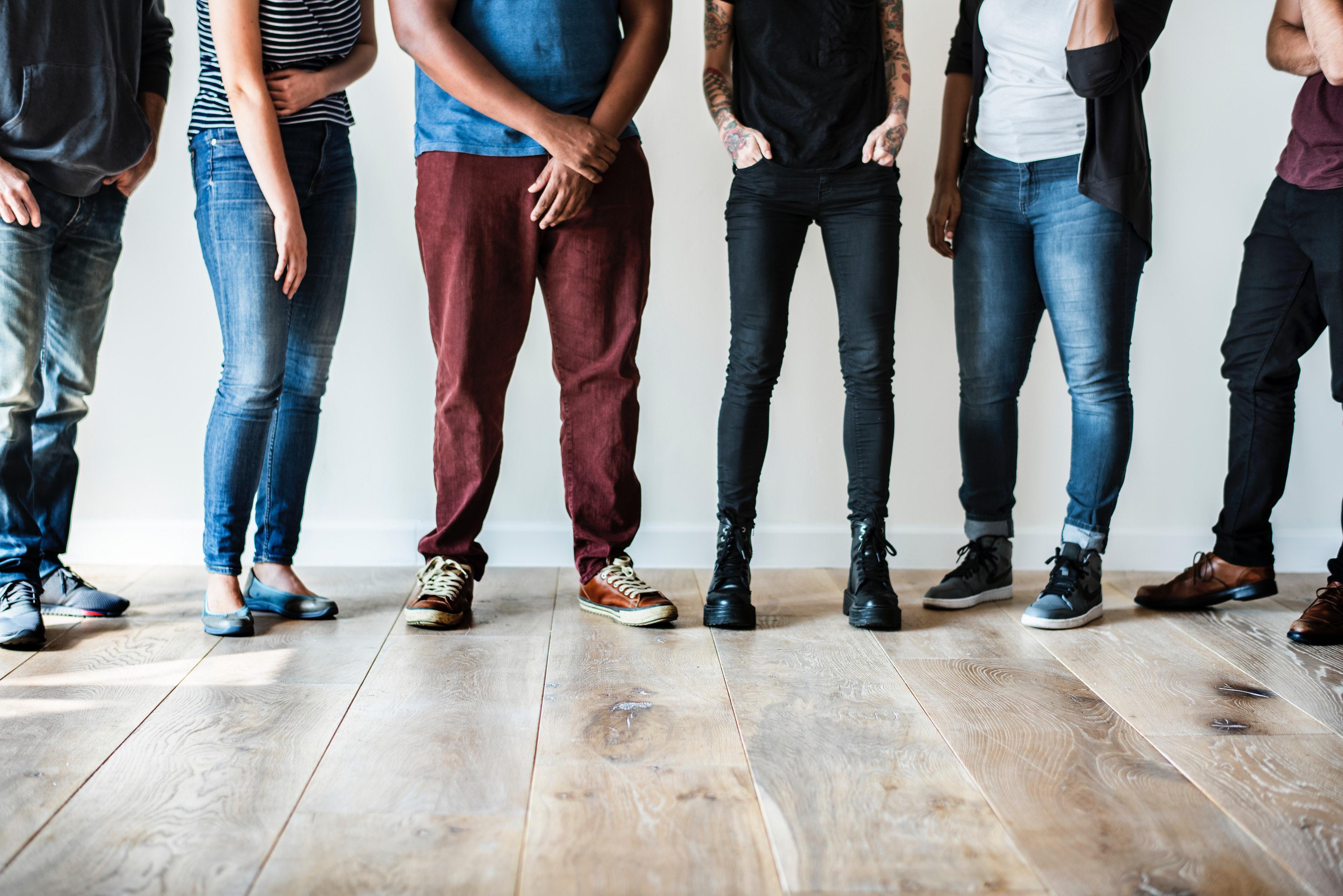 Картинки людей в джинсах