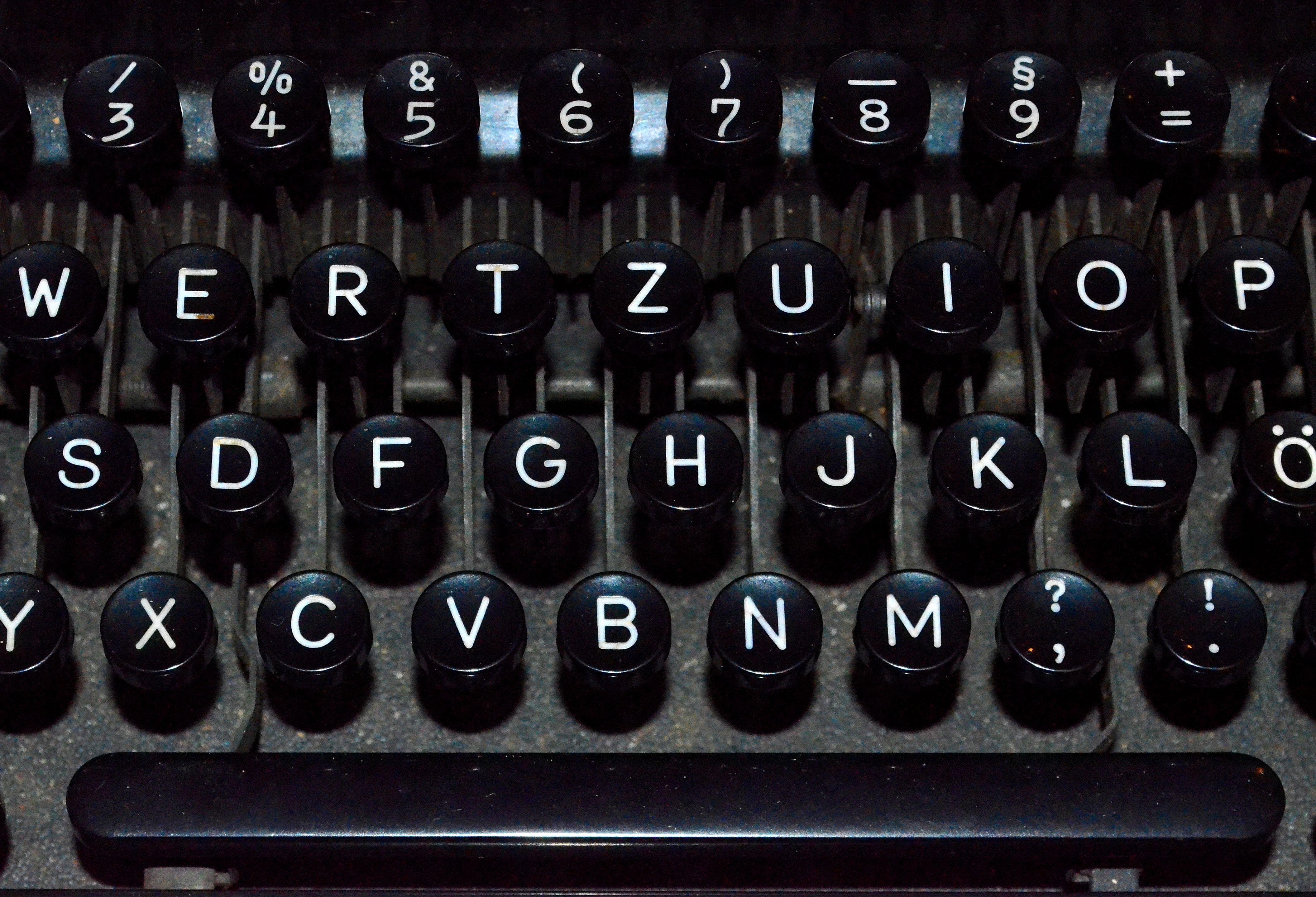 Gambar Keyboard Tua Mesin Tik Kantor Hitam Merapatkan Fon