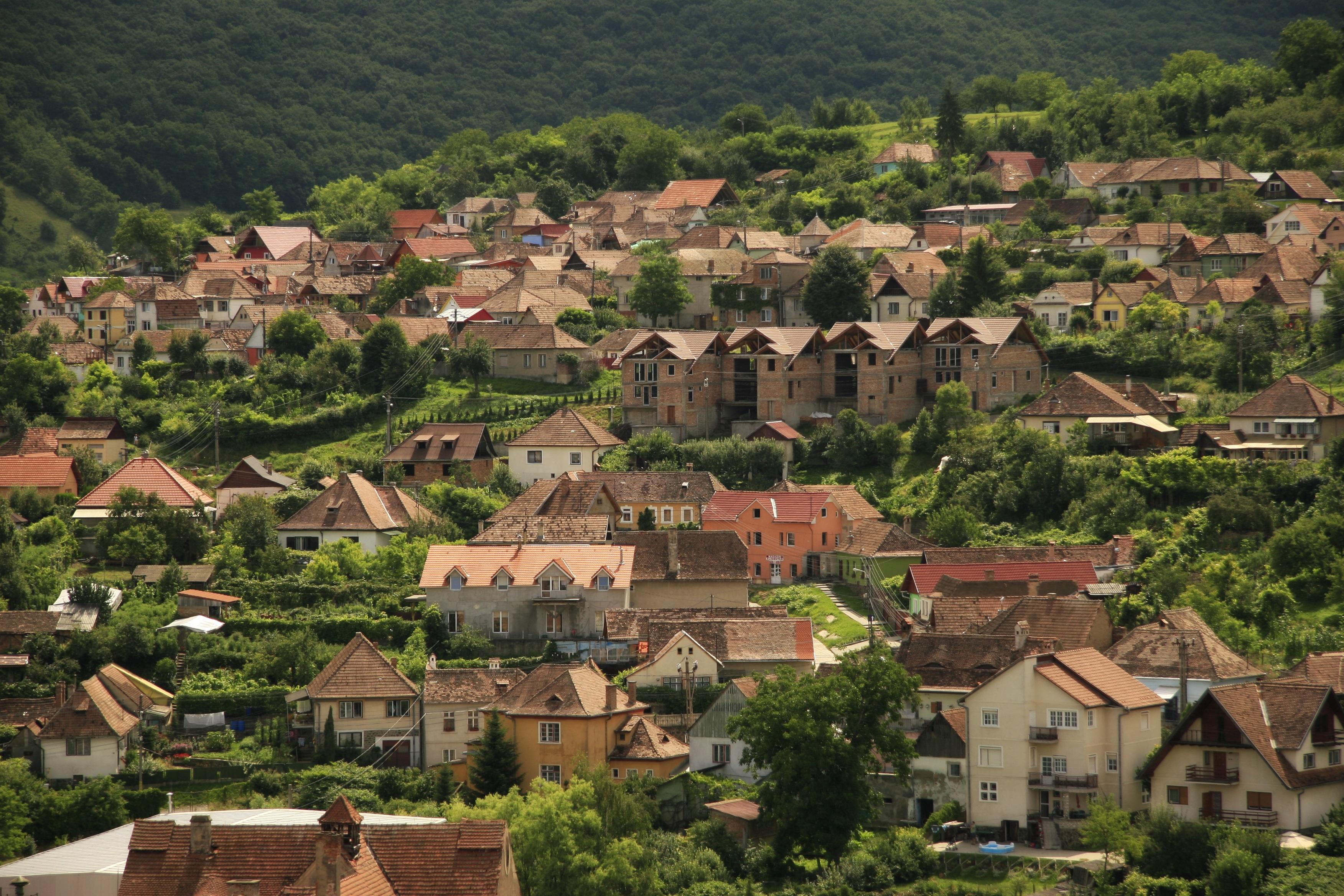 Images gratuites paysage architecture colline ville for Achat maison zone geographique