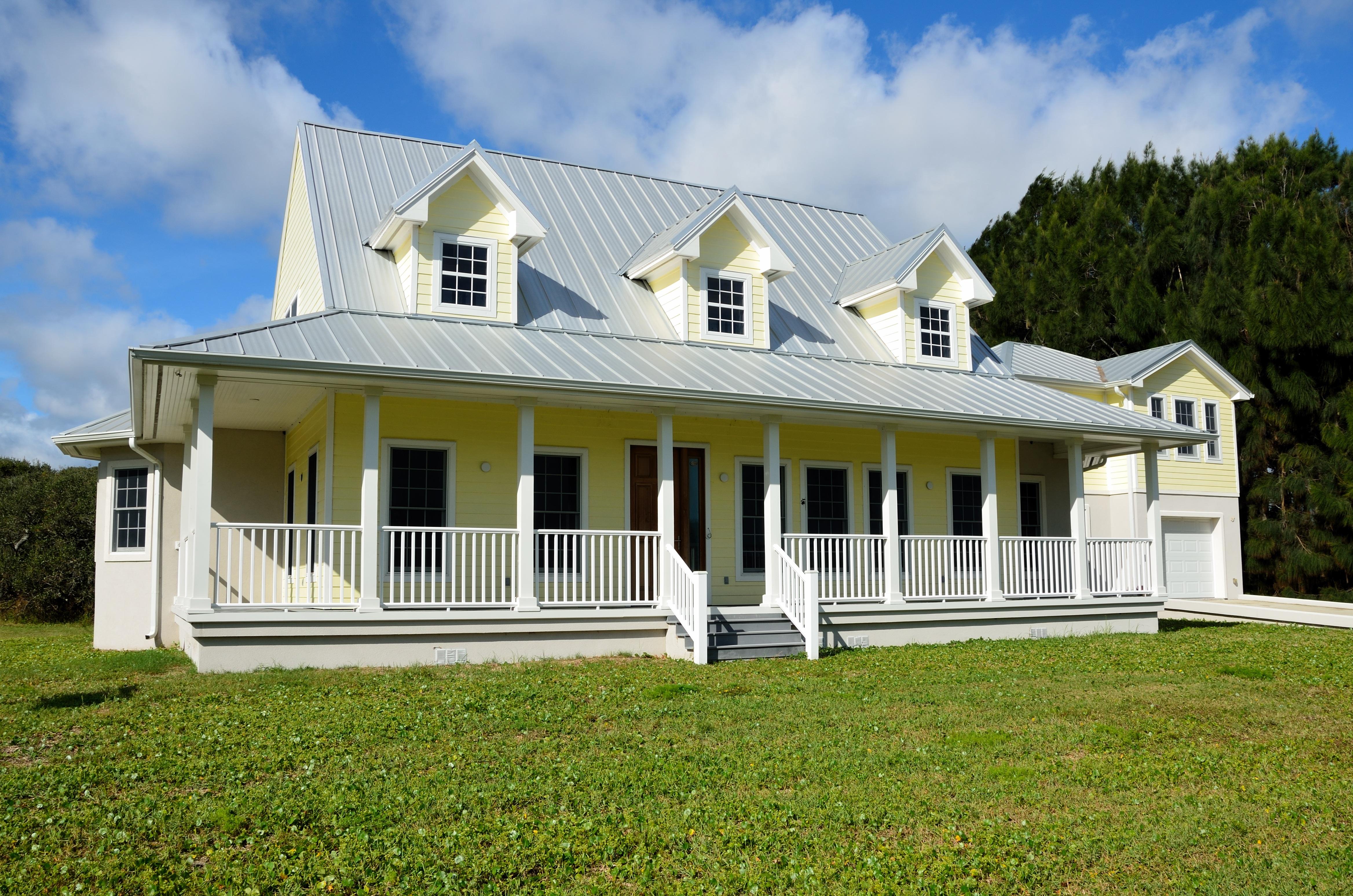 Fotos gratis paisaje arquitectura c sped villa for Disenos de porches de casas