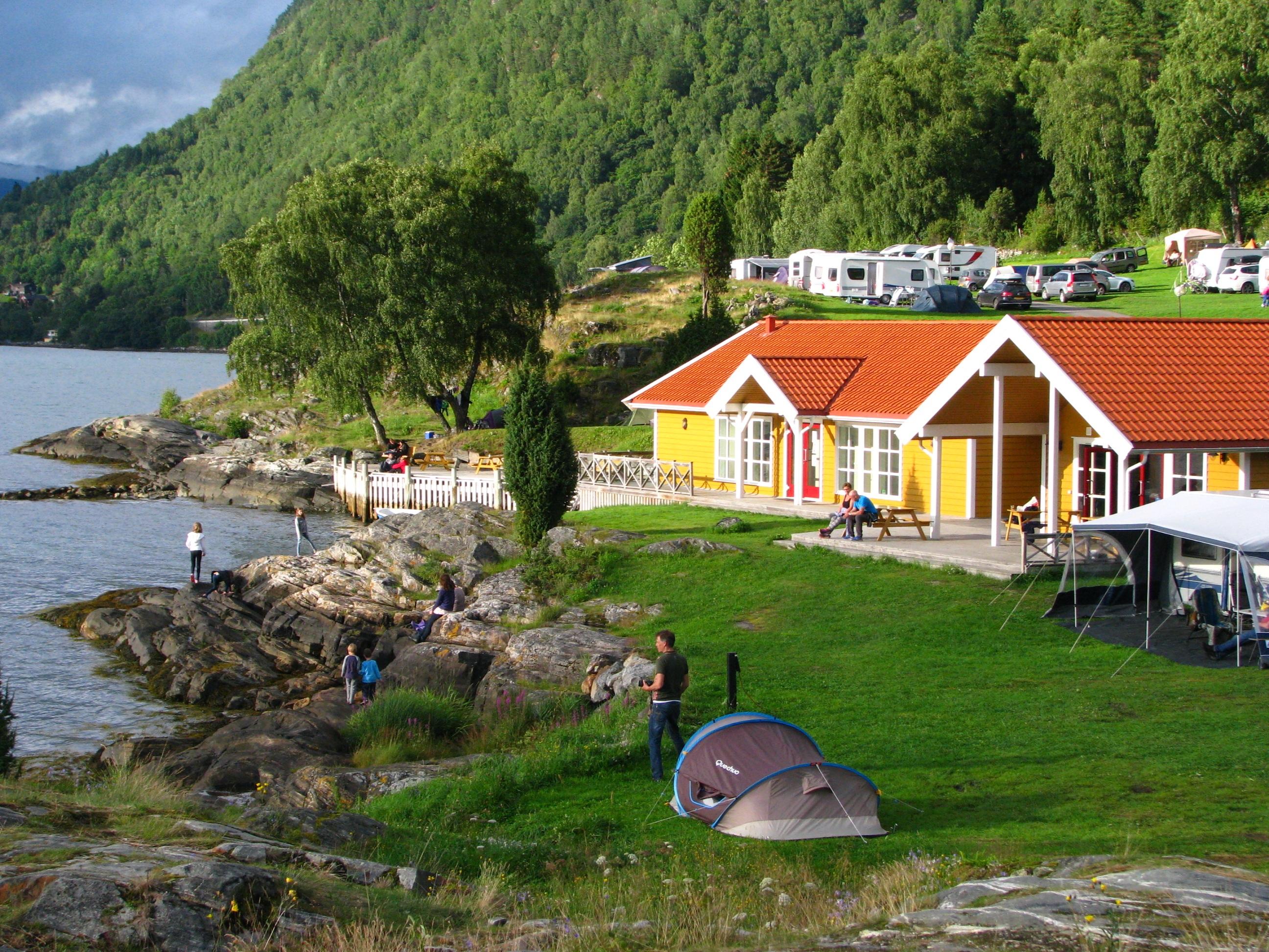 Fotos gratis paisaje costa rbol agua naturaleza for Casas en noruega