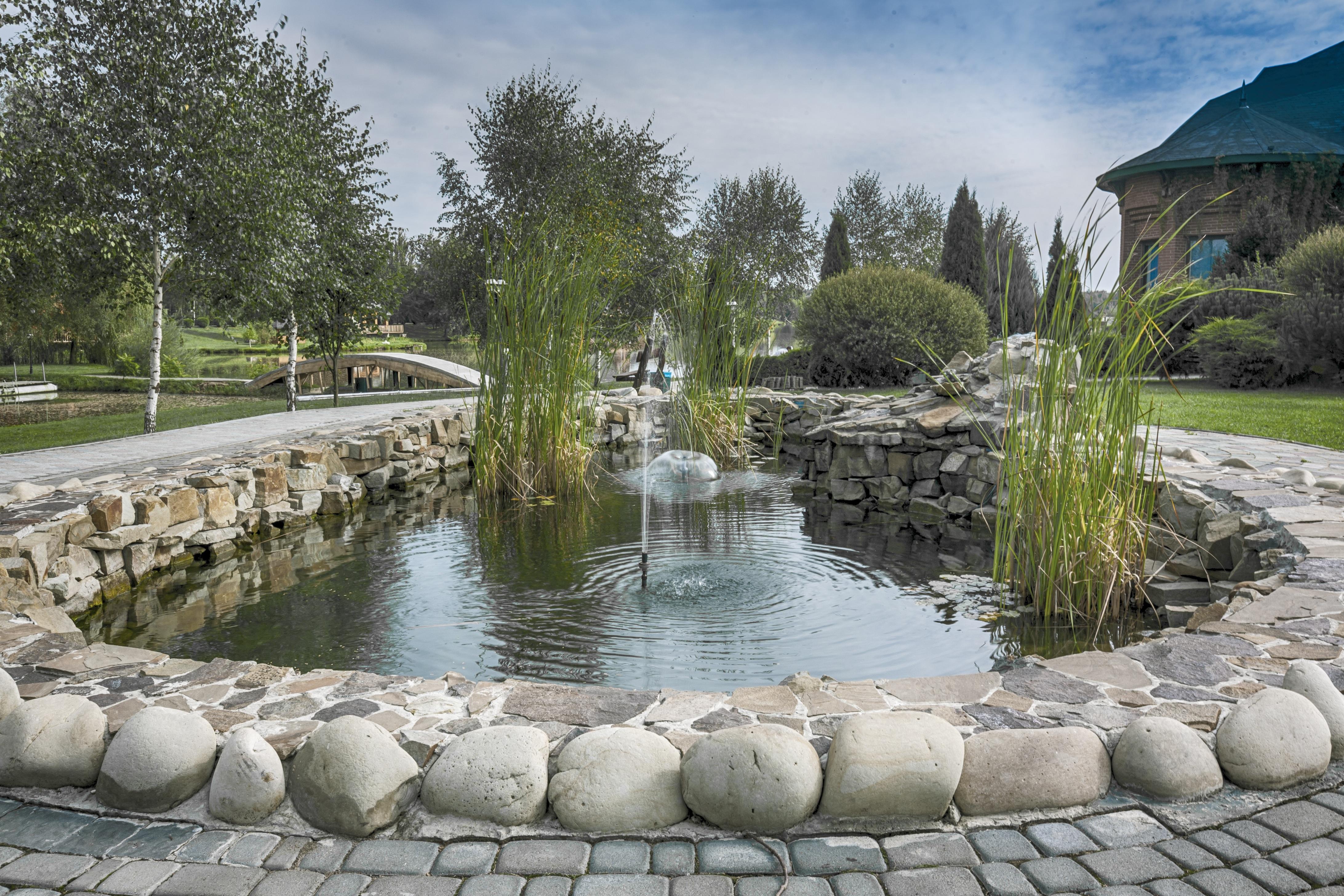 Wunderbar Landschaft Landschaft Teich Pool Park Hinterhof Garten Wasserweg Brunnen  Künstlich Immobilien Wasser Funktion Reflektierender Pool