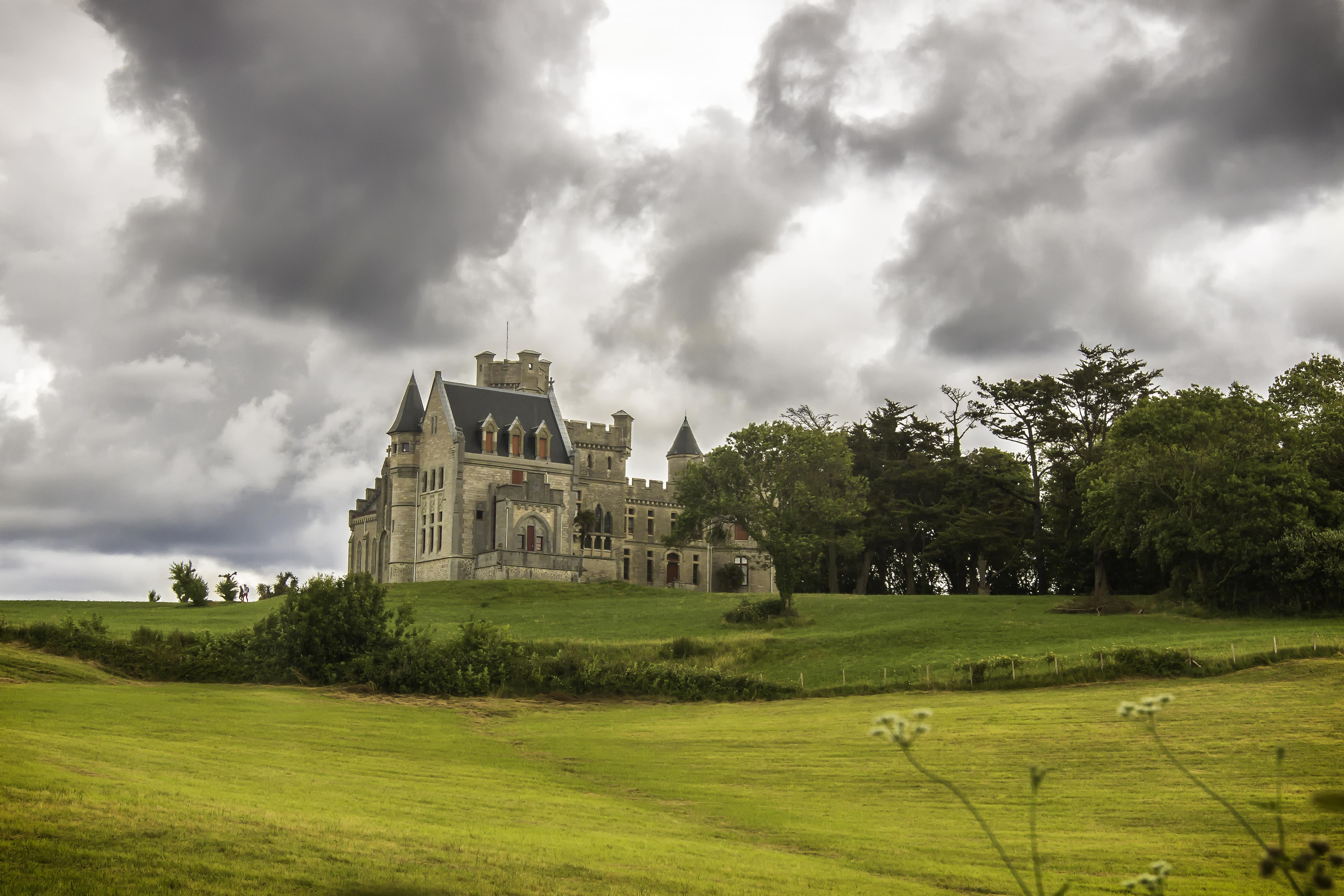 Un Chateau Dans Les Nuages free images : landscape, grass, cloud, sky, field, lawn