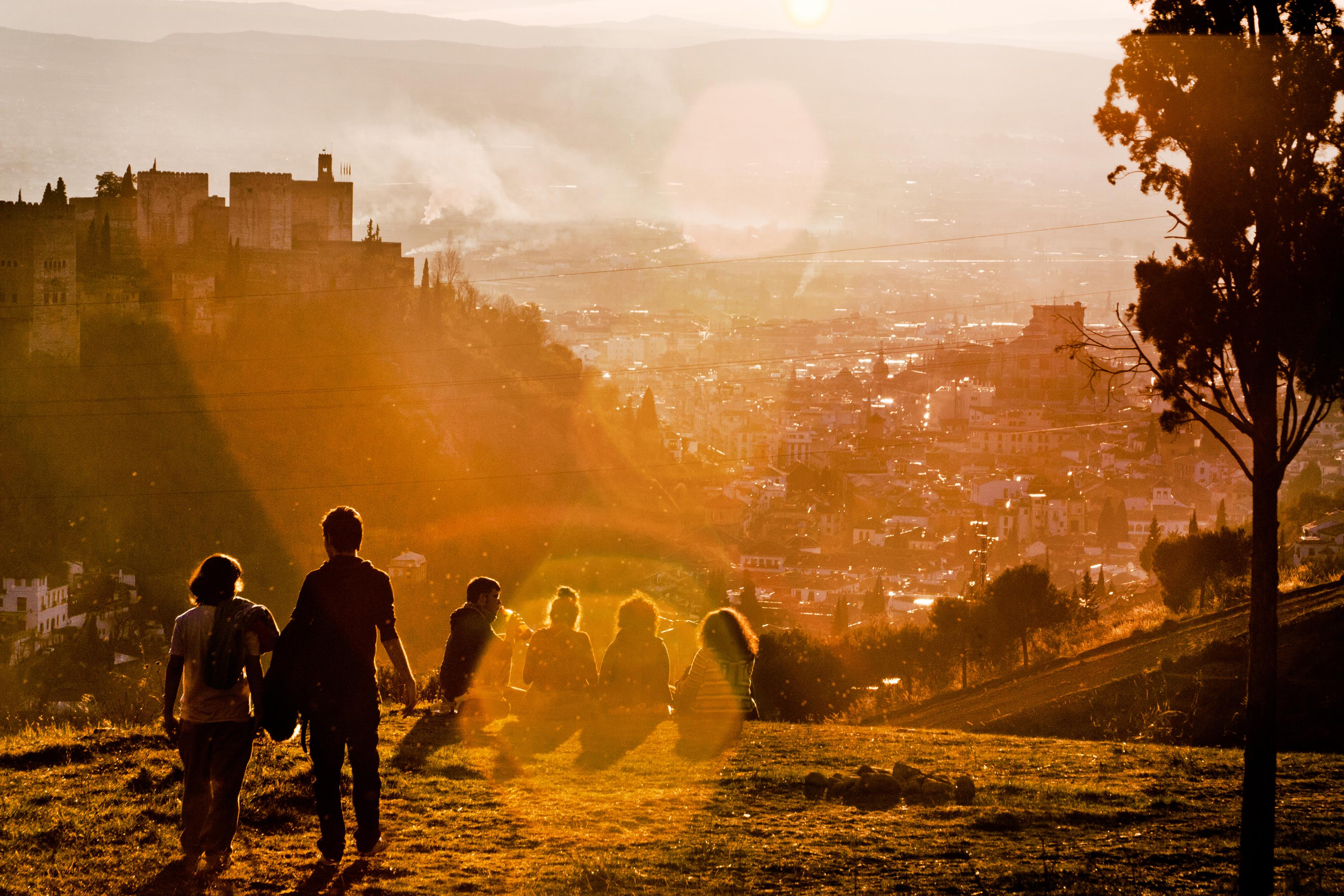 pemandangan kelompok orang orang matahari terbit matahari terbenam sinar matahari pagi melihat fajar malam refleksi