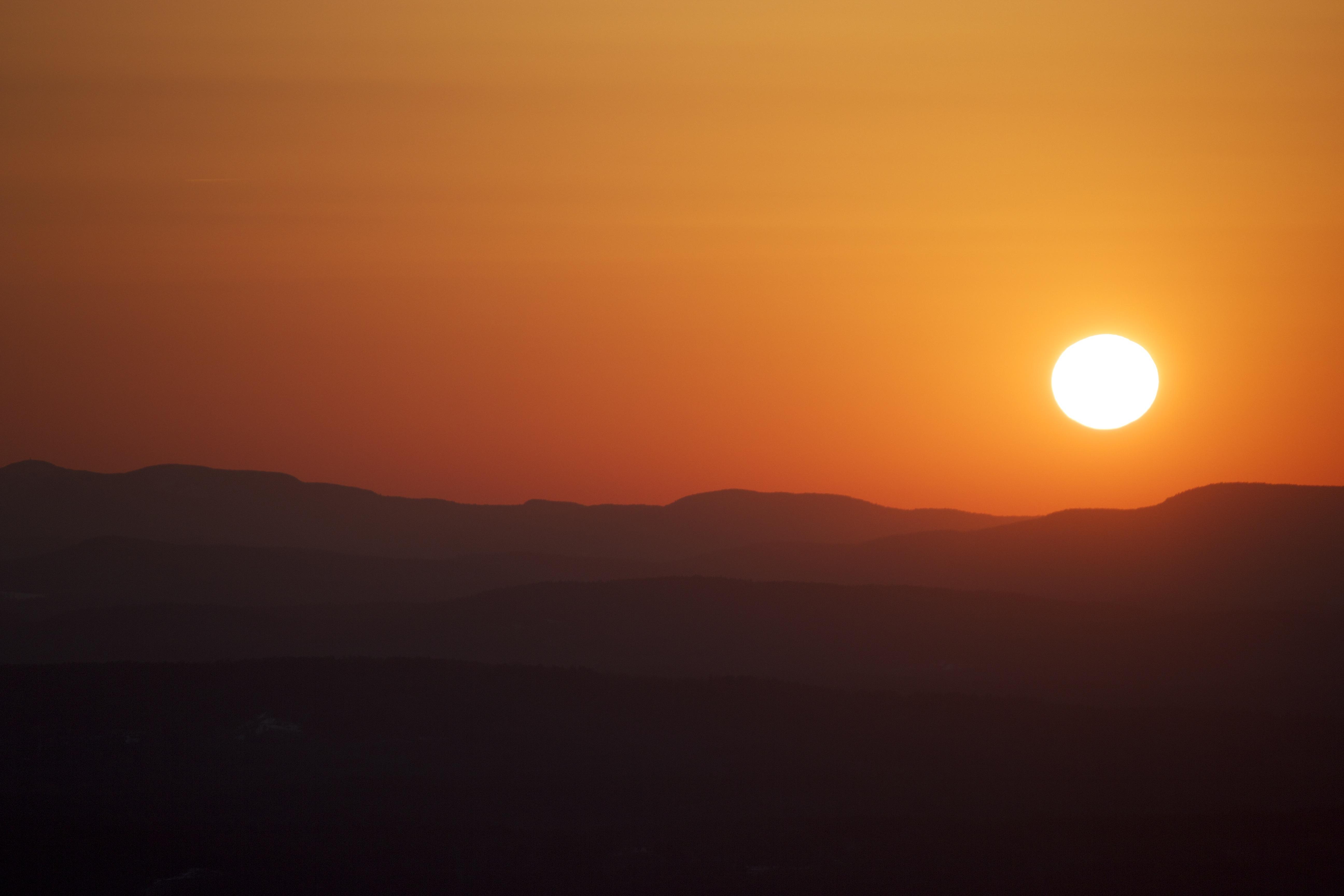 Free images landscape horizon sun sunrise sunset sunlight free images landscape horizon sun sunrise sunset sunlight hill view dawn dusk daytime evening orange golden tranquil color scenery calm altavistaventures Images