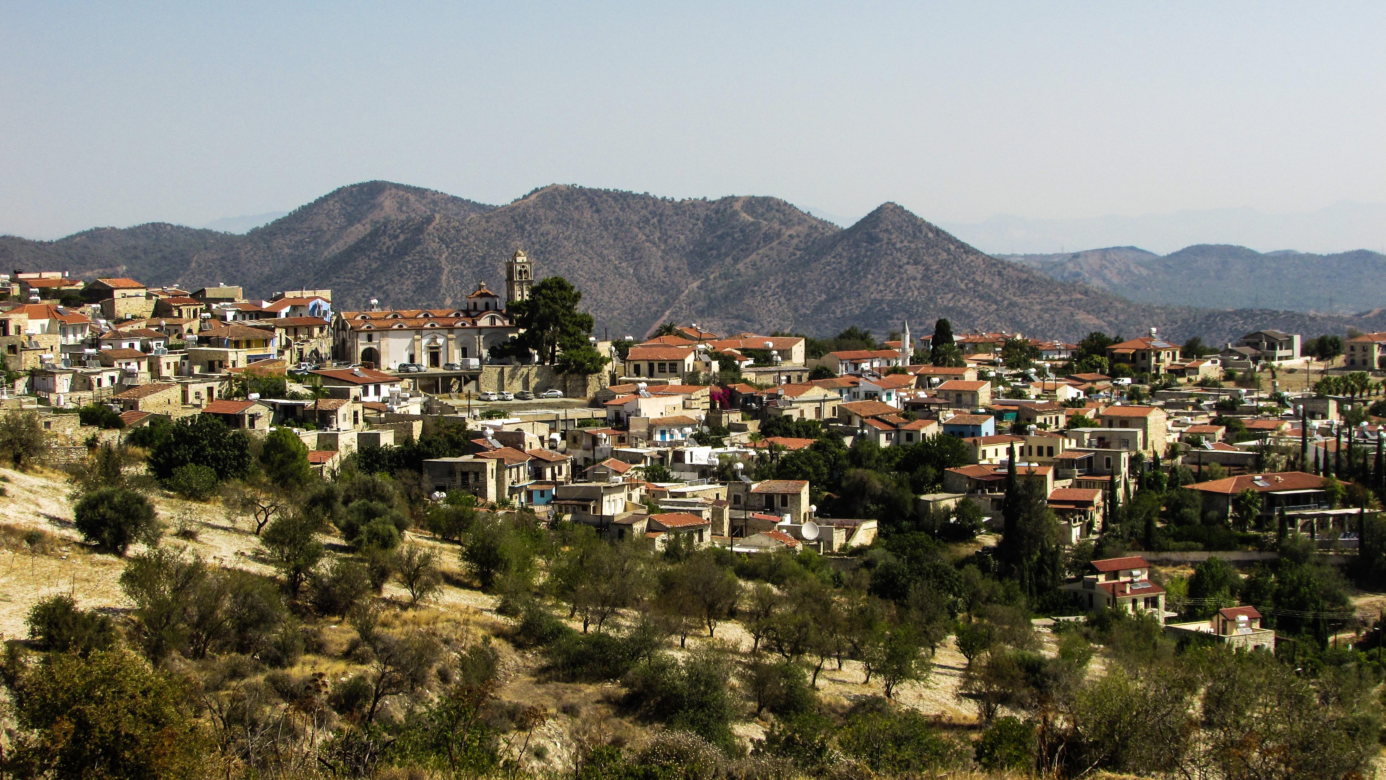 Images gratuites paysage montagne architecture for Paysage de ville