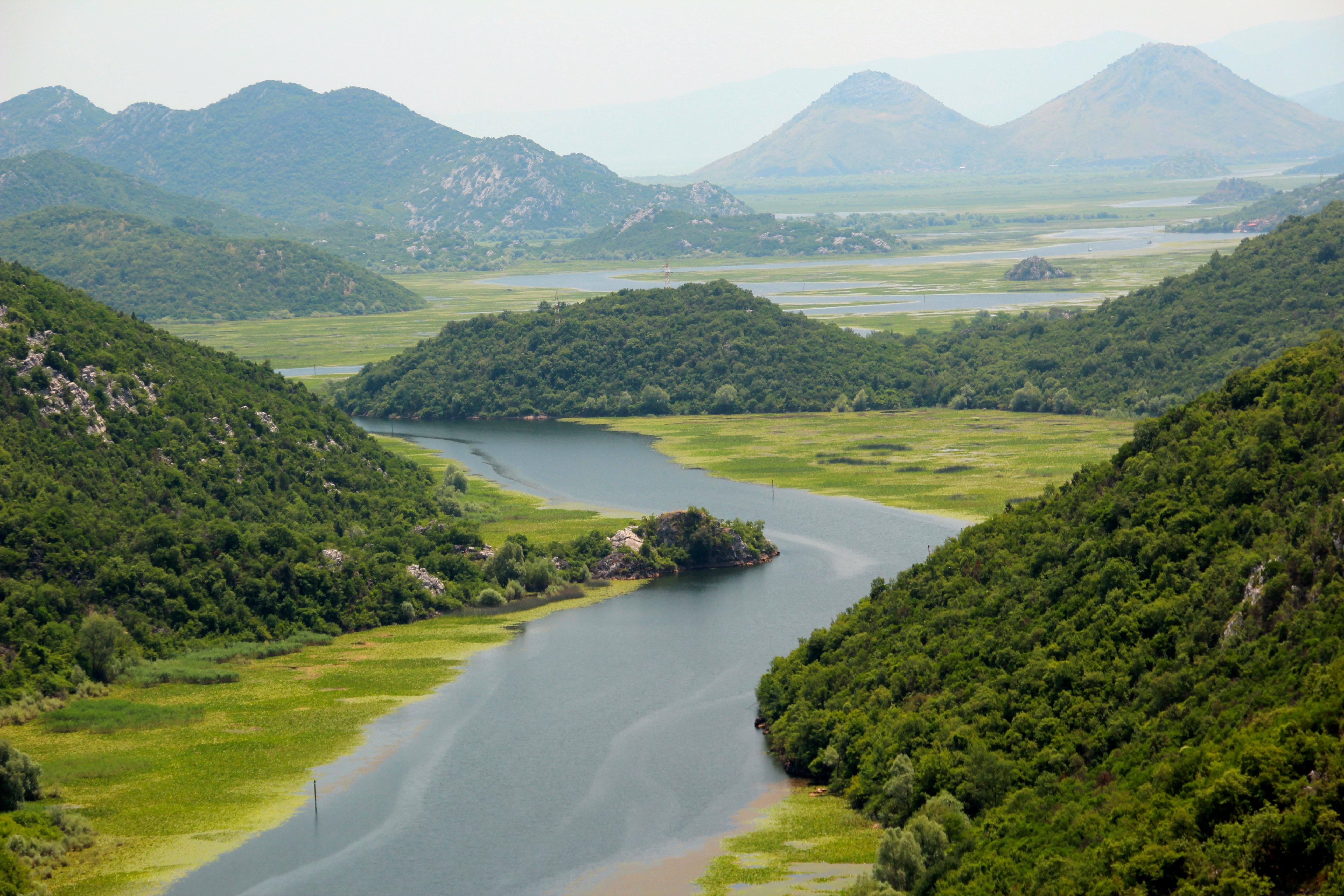 Fotos gratis paisaje colina lago r o valle - Fotos de relieve ...