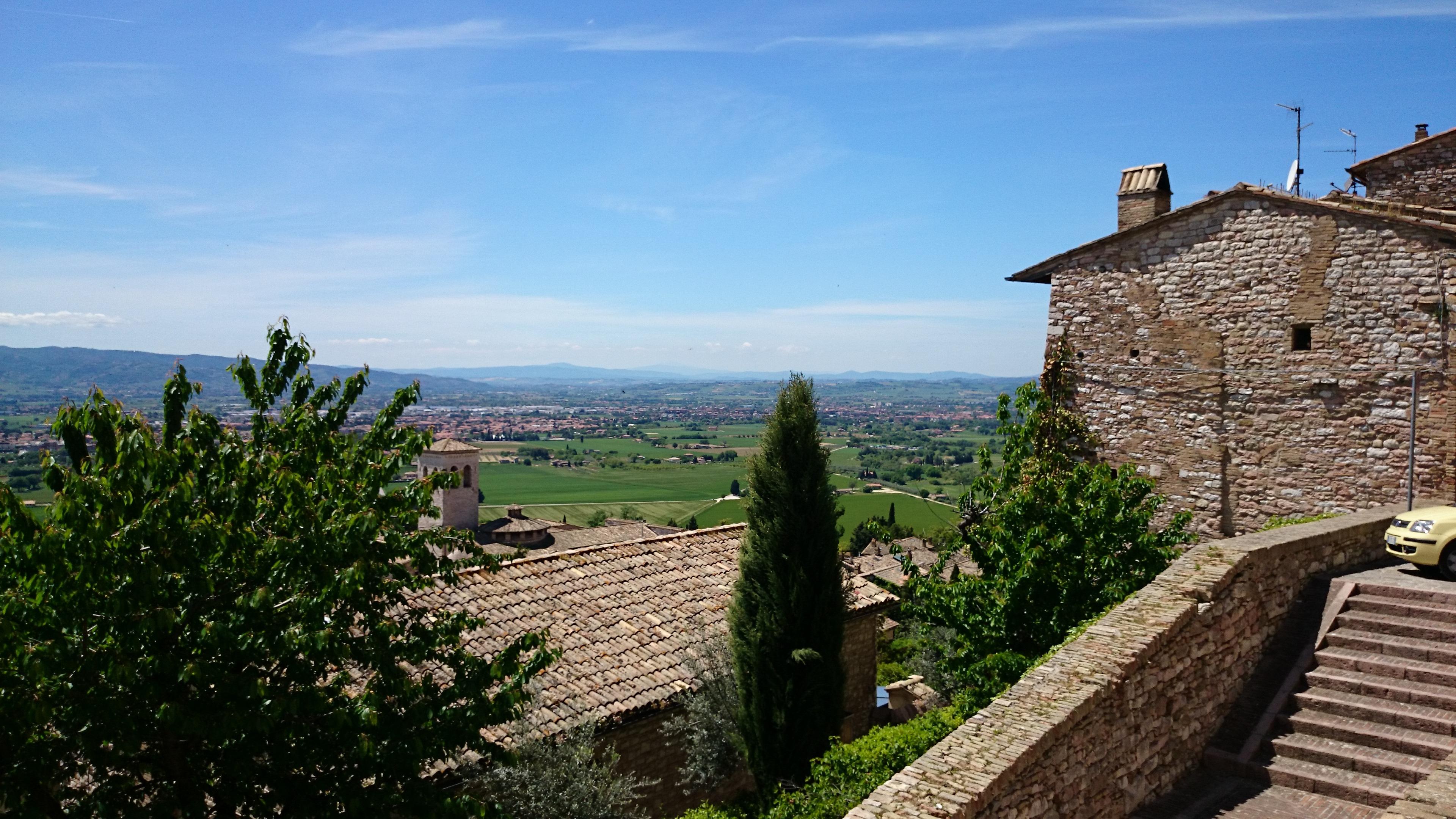 Kostenlose foto landschaft berg h gel stadt geb ude for Ferienimmobilien italien