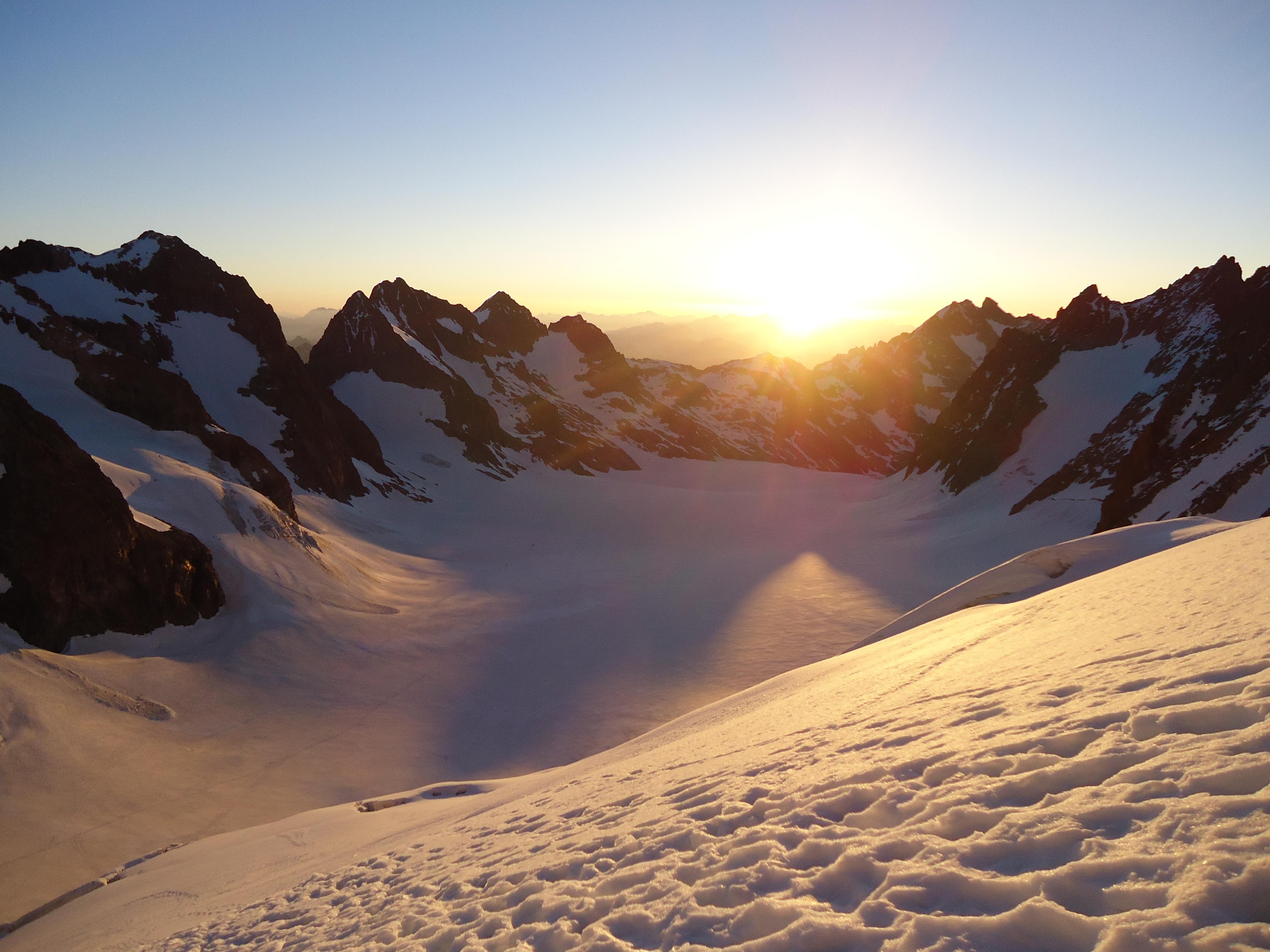 Images gratuites paysage montagne neige hiver nuage lever du soleil le coucher du soleil - Meteo lever et coucher du soleil ...