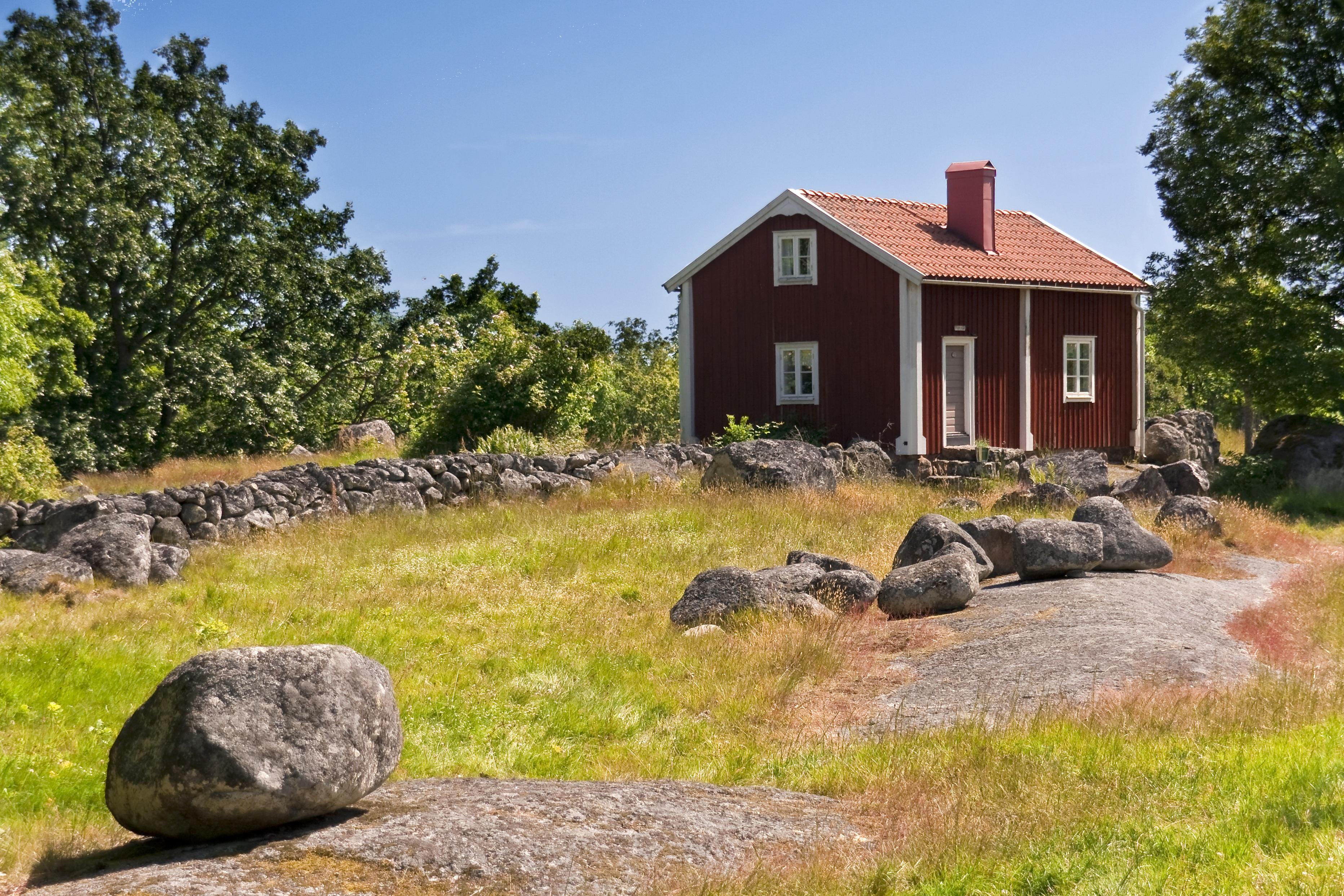 landschaft natur gras rock himmel wiese haus gebude zuhause stein sommer grn rot htte hinterhof - Hinterhof Landschaften Bilder
