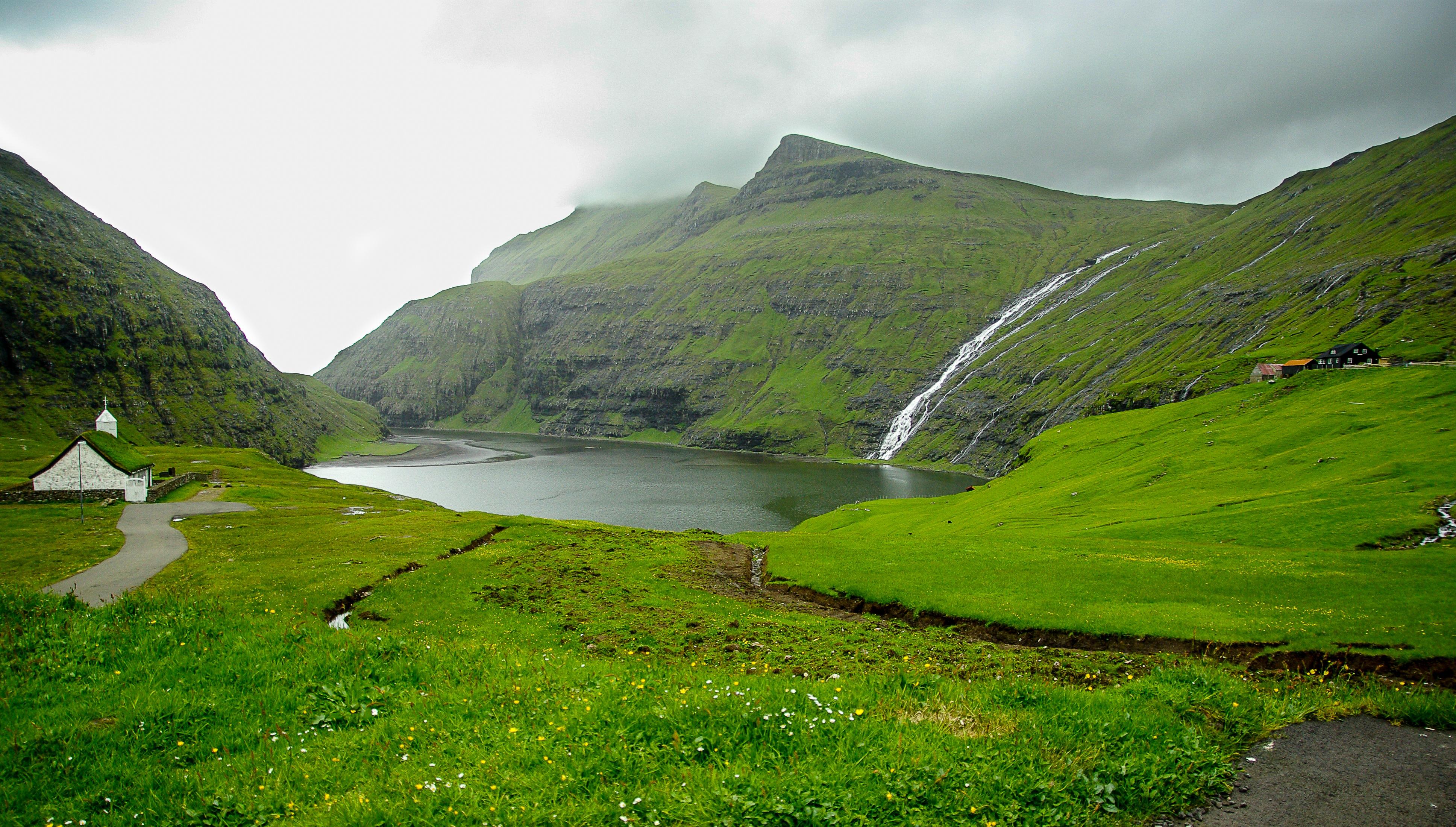 gambar pemandangan padang rumput bukit danau lembah pegunungan hijau fjord kapel waduk dataran tinggi pegunungan alpen tebing cascades