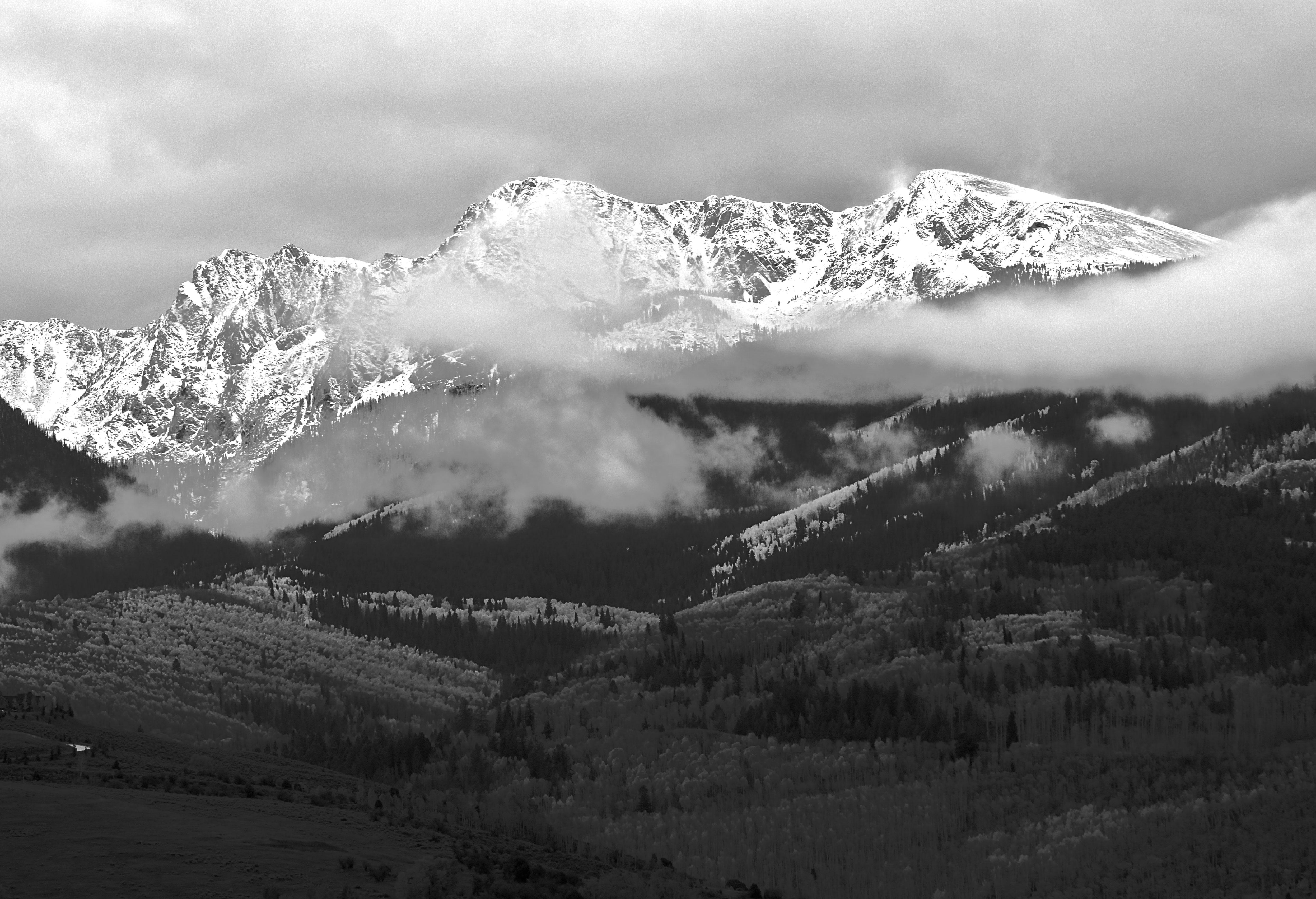 как-то удалось уральские горы картинки черно белые текстуре различают кремовые