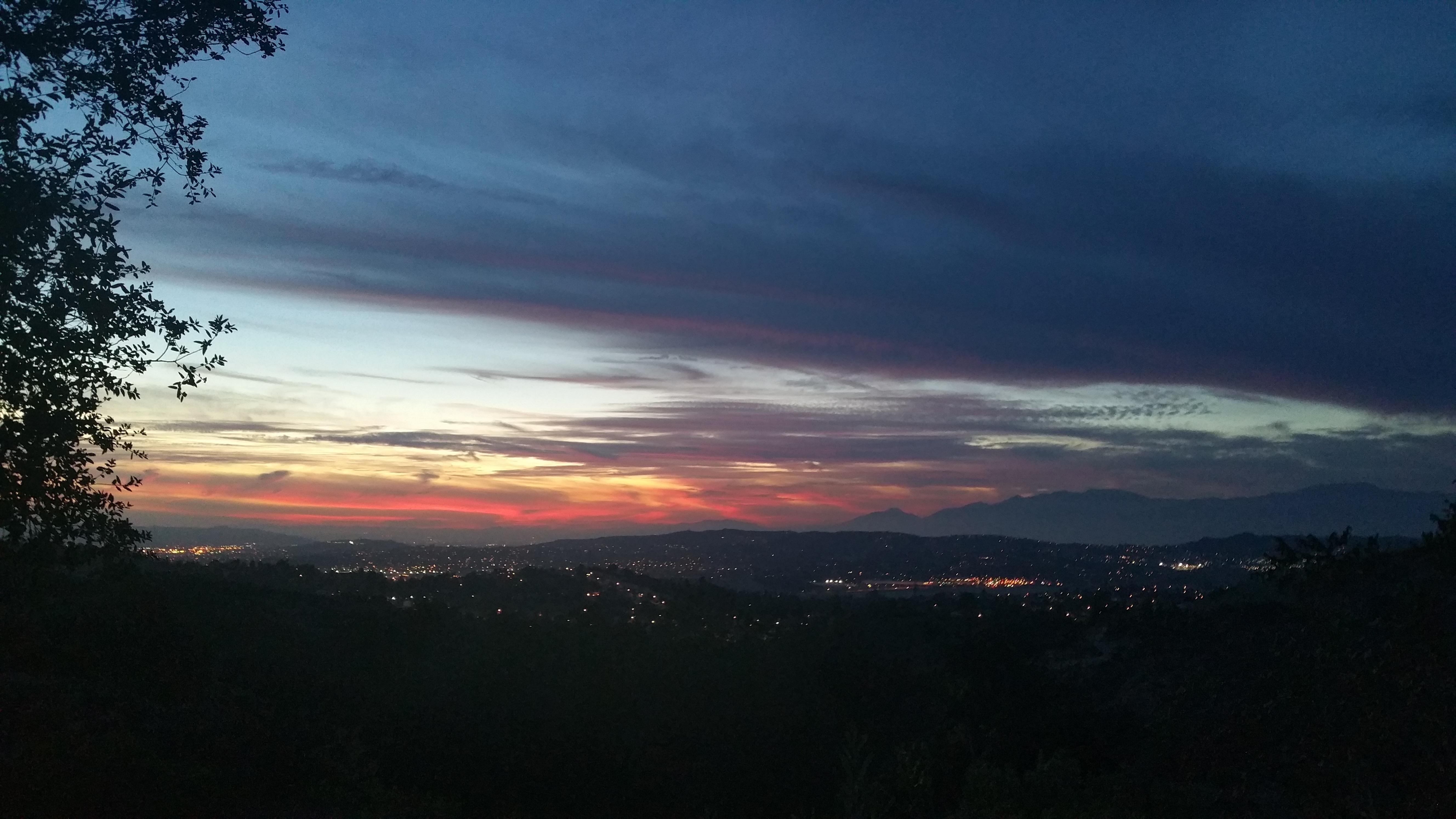 Gambar Pemandangan Alam Outdoor Horison Gunung Awan