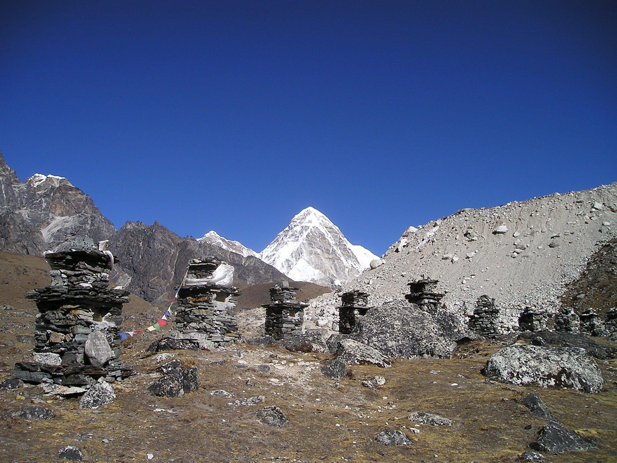 Gambar Pemandangan Gurun Berjalan Salju Musim Dingin