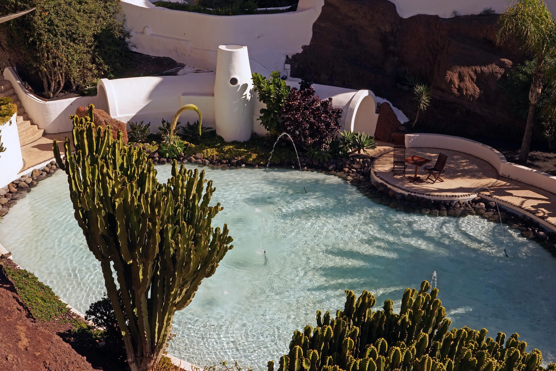AuBergewohnlich Landschaft Pflanze Blume Zuhause Schwimmbad Teich Pool Hinterhof Garten  Immobilien Kanarische Inseln Lanzarote Museum Lagomar