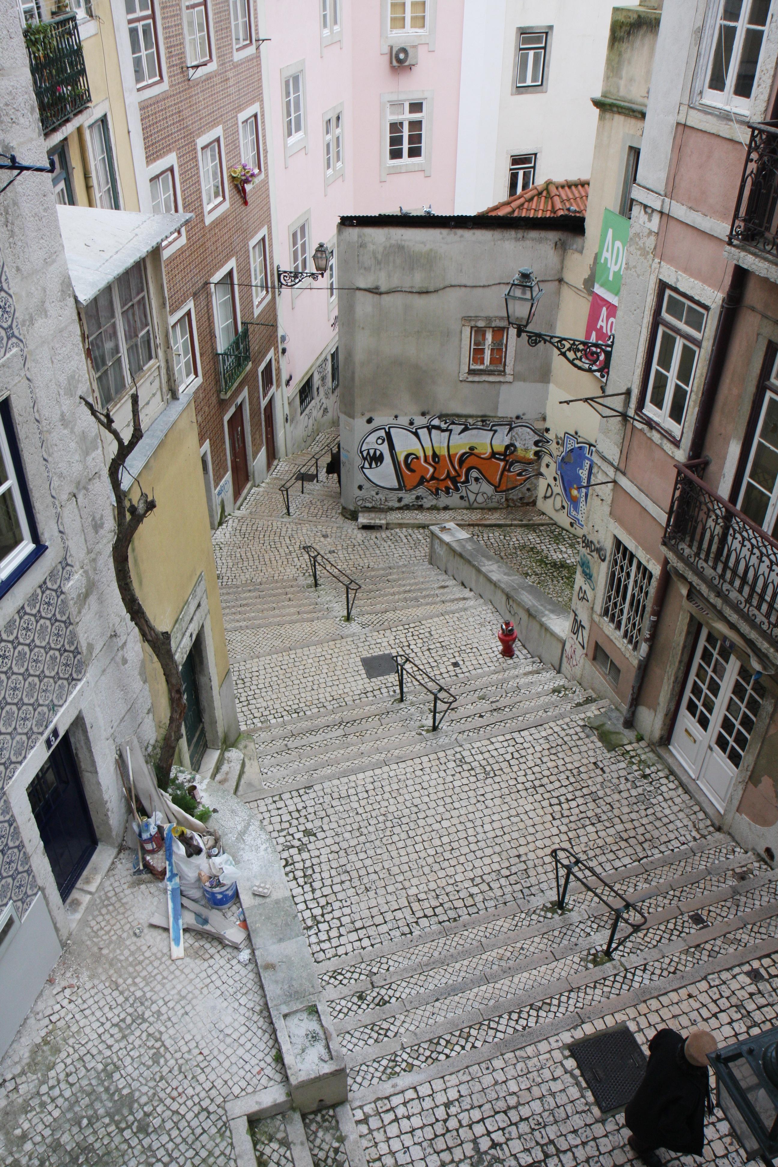 Images gratuites paysage route rue ville mur for Carrelage portugal