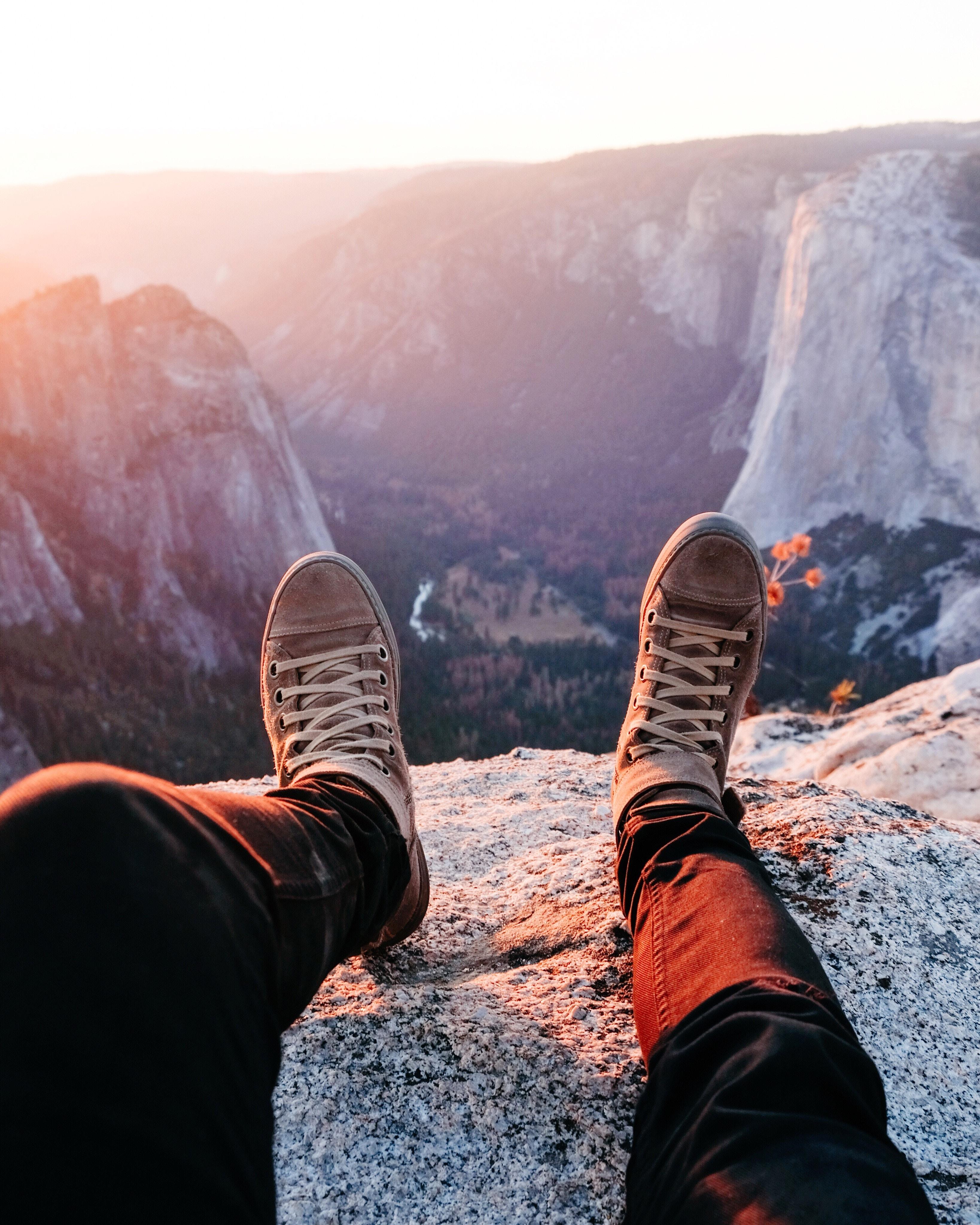 df6ecfbf6d2510 Images Gratuites : paysage, Roche, chaussure, Montagne, neige, hiver, ciel,  lumière du soleil, Matin, aventure, chaîne de montagnes, vacances, la  glace, ...