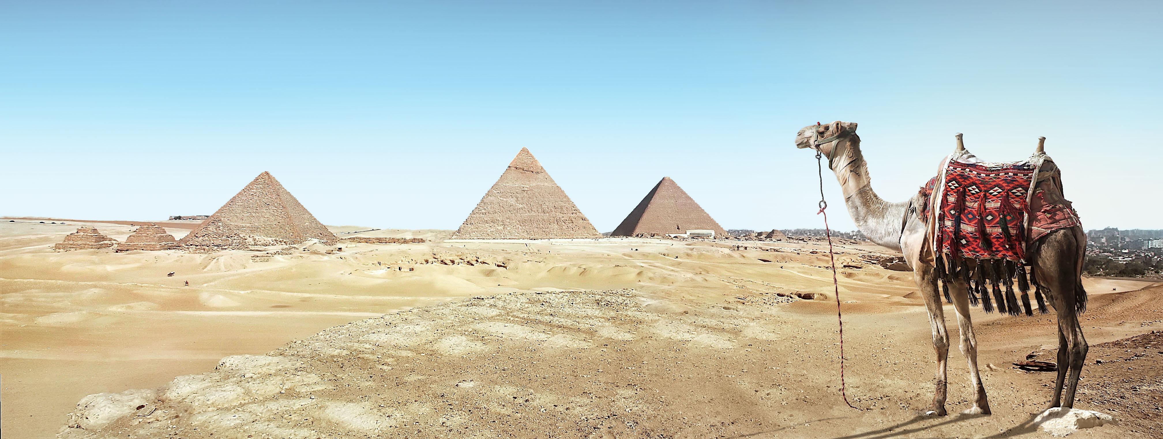 Gambar Pemandangan Pasir Gurun Monumen Unta Piramida Tengara