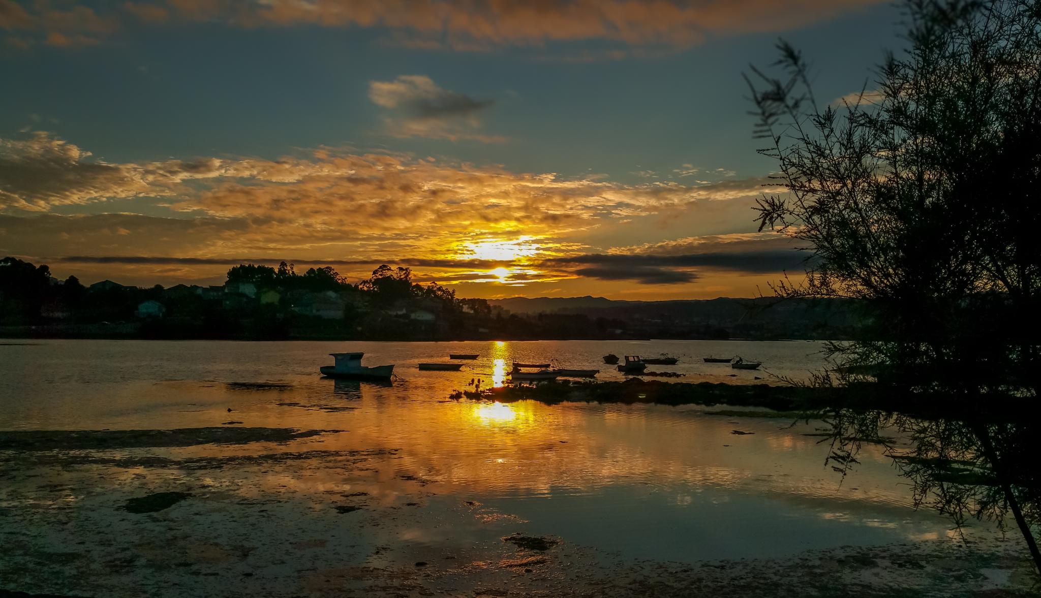 Buenos días, tardes, noches. - Página 2 Landscape-sea-nature-cloud-sky-sun-sunrise-sunset-sunlight-morning-lake-dawn-river-dusk-evening-reflection-spain-galicia-pontevedra-paisajes-amanecer-loch-espana-ggl1-gaby1-xovesphoto-lourido-samsunggalaxynote4-afterglow-404673