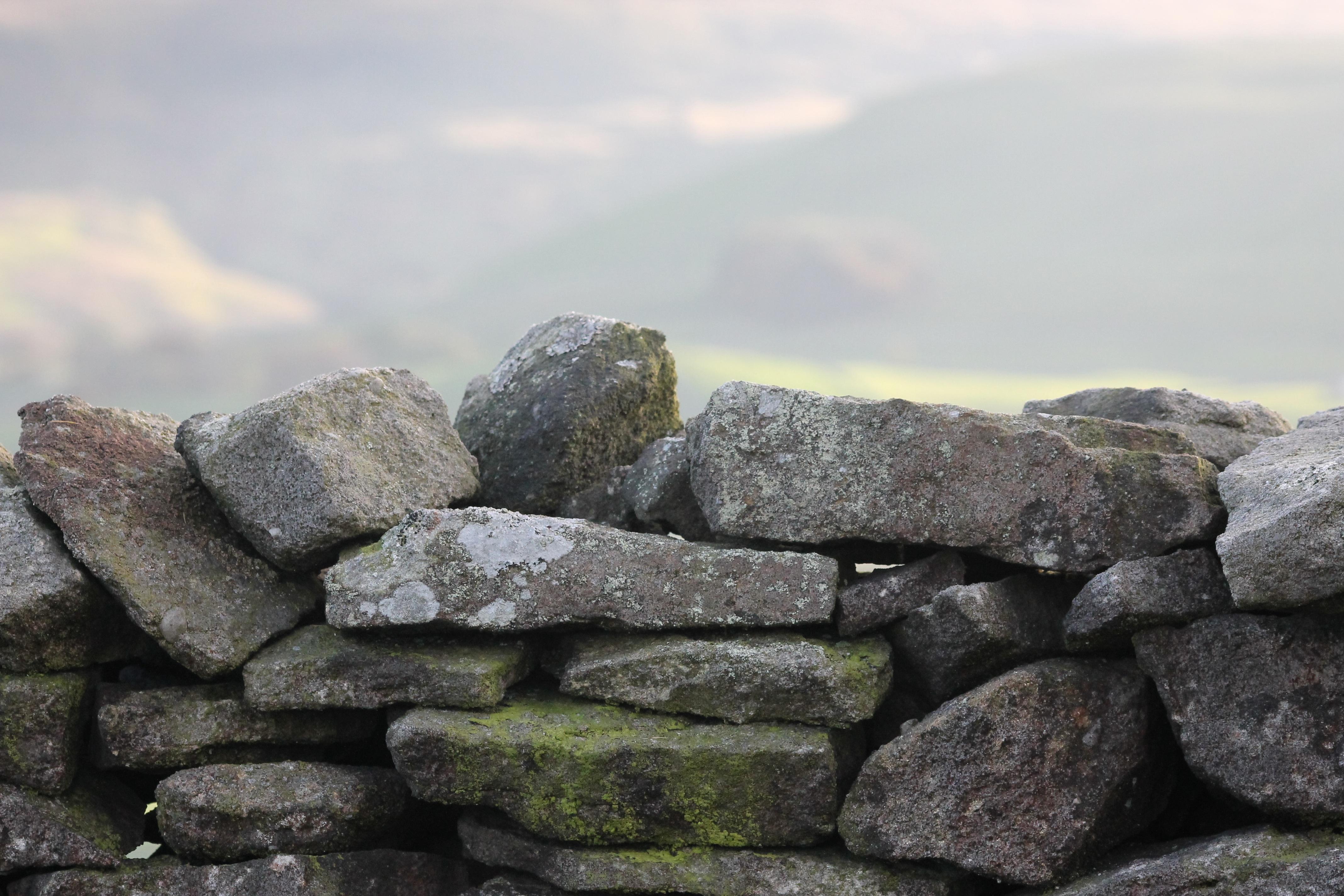 images gratuites paysage mer la nature roche campagne mur pierre sec rural terrain. Black Bedroom Furniture Sets. Home Design Ideas