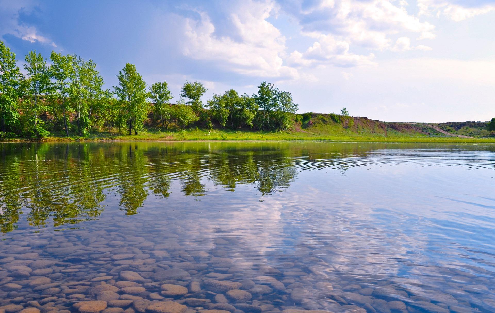 видобуток бурштину прозрачные реки и озера фото они