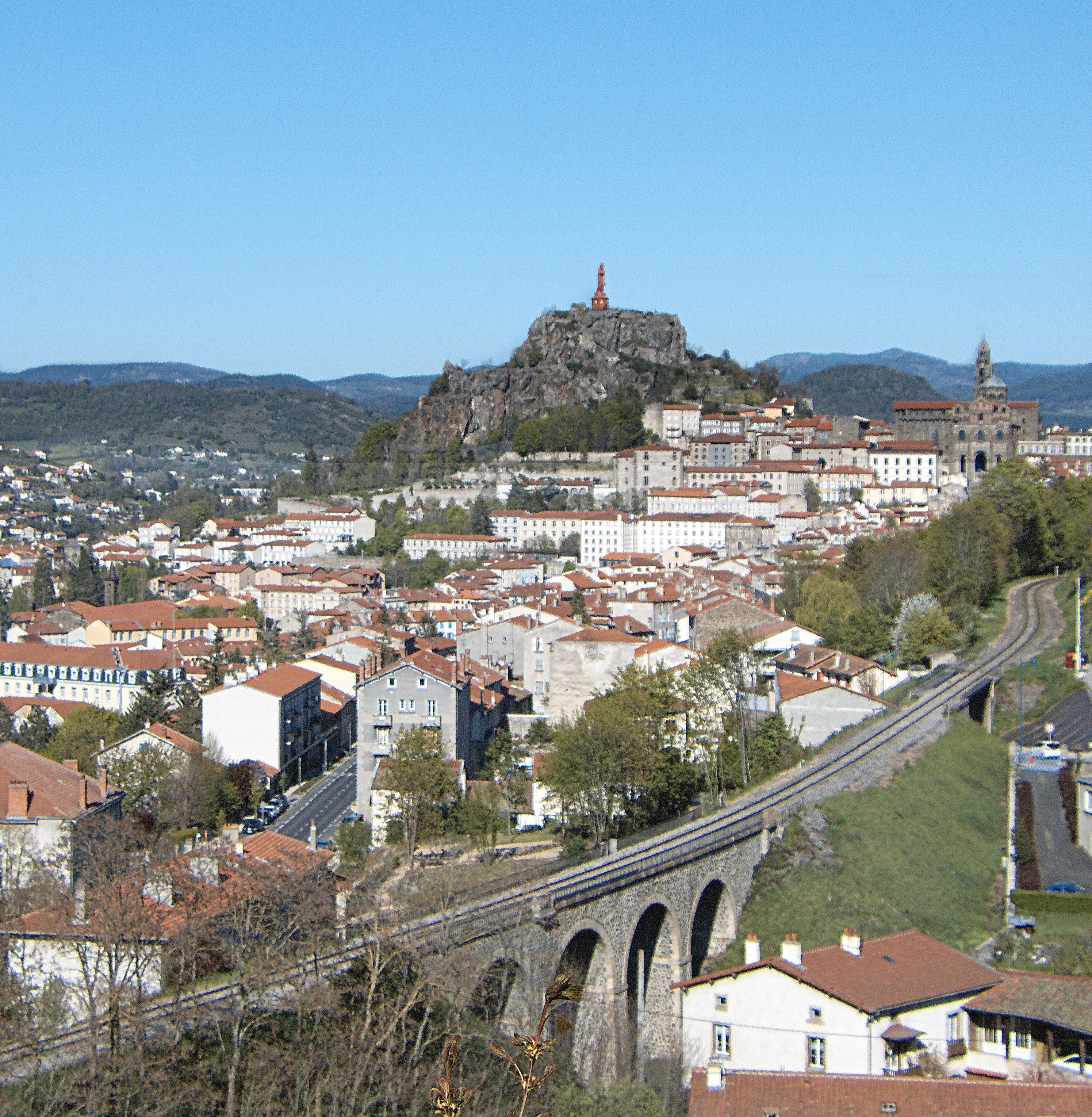 Architecte Le Puy En Velay gambar : pemandangan, kaki langit, sungai, pemandangan kota