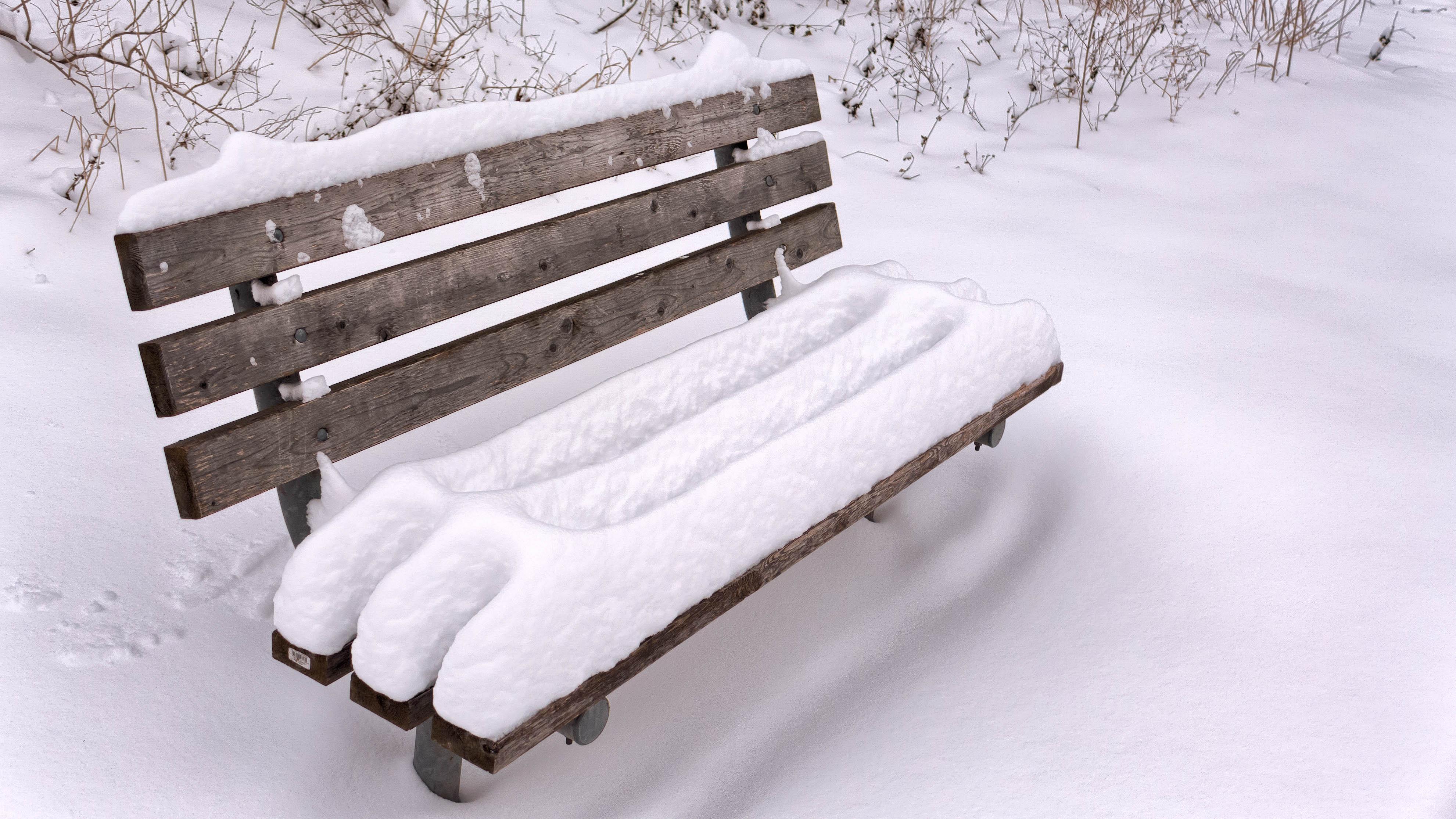 скамейка под снегом картинки сковороду налить масла
